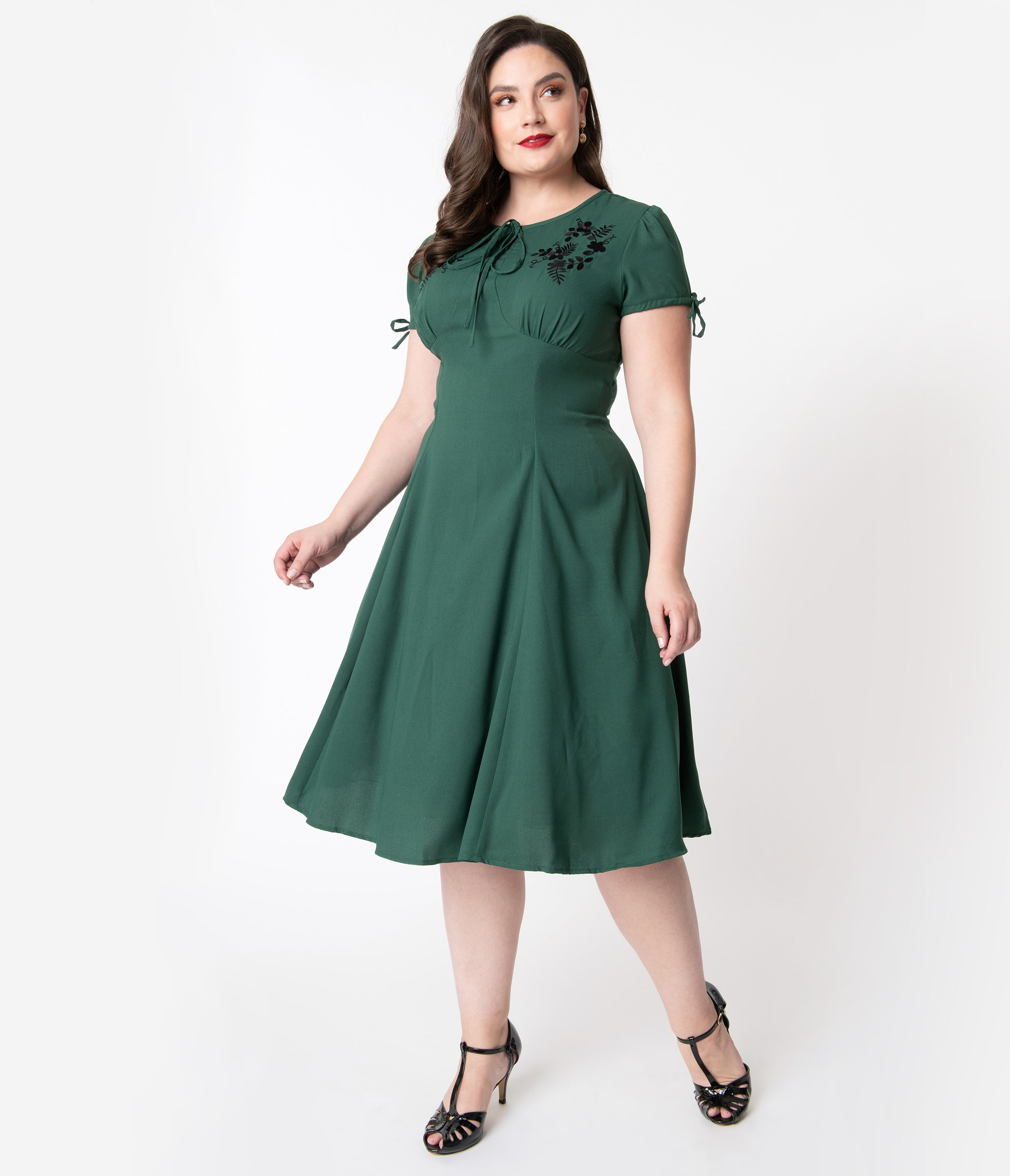 1940s Plus Size Dresses | Swing Dress, Tea Dress Plus Size 1940S Style Emerald Green  Black Embroidered Floral Ava Swing Dress $78.00 AT vintagedancer.com