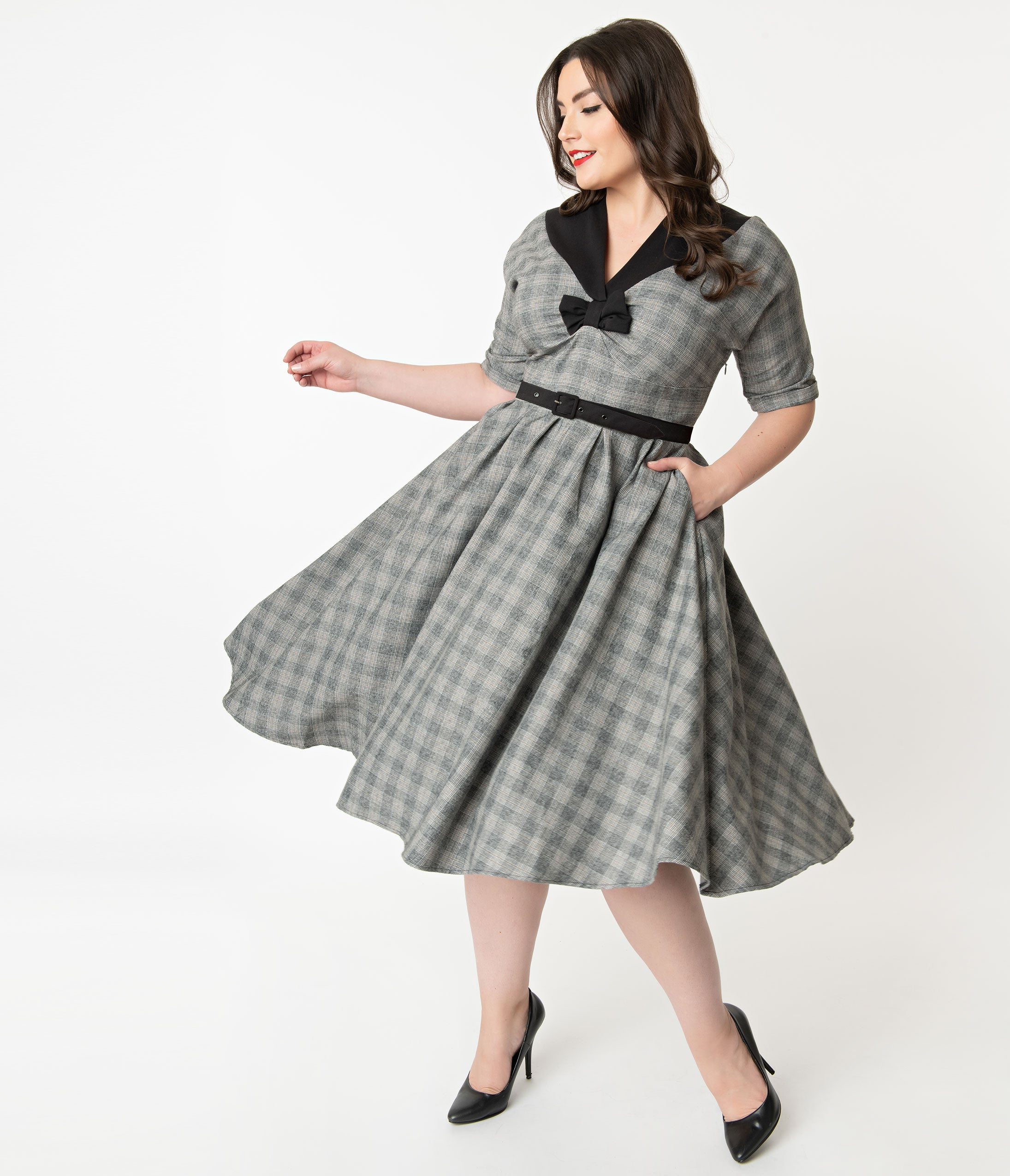 1950s Plus Size Dresses, Swing Dresses Miss Candyfloss Plus Size 1950S Grey Check Maeby Swing Dress $126.00 AT vintagedancer.com