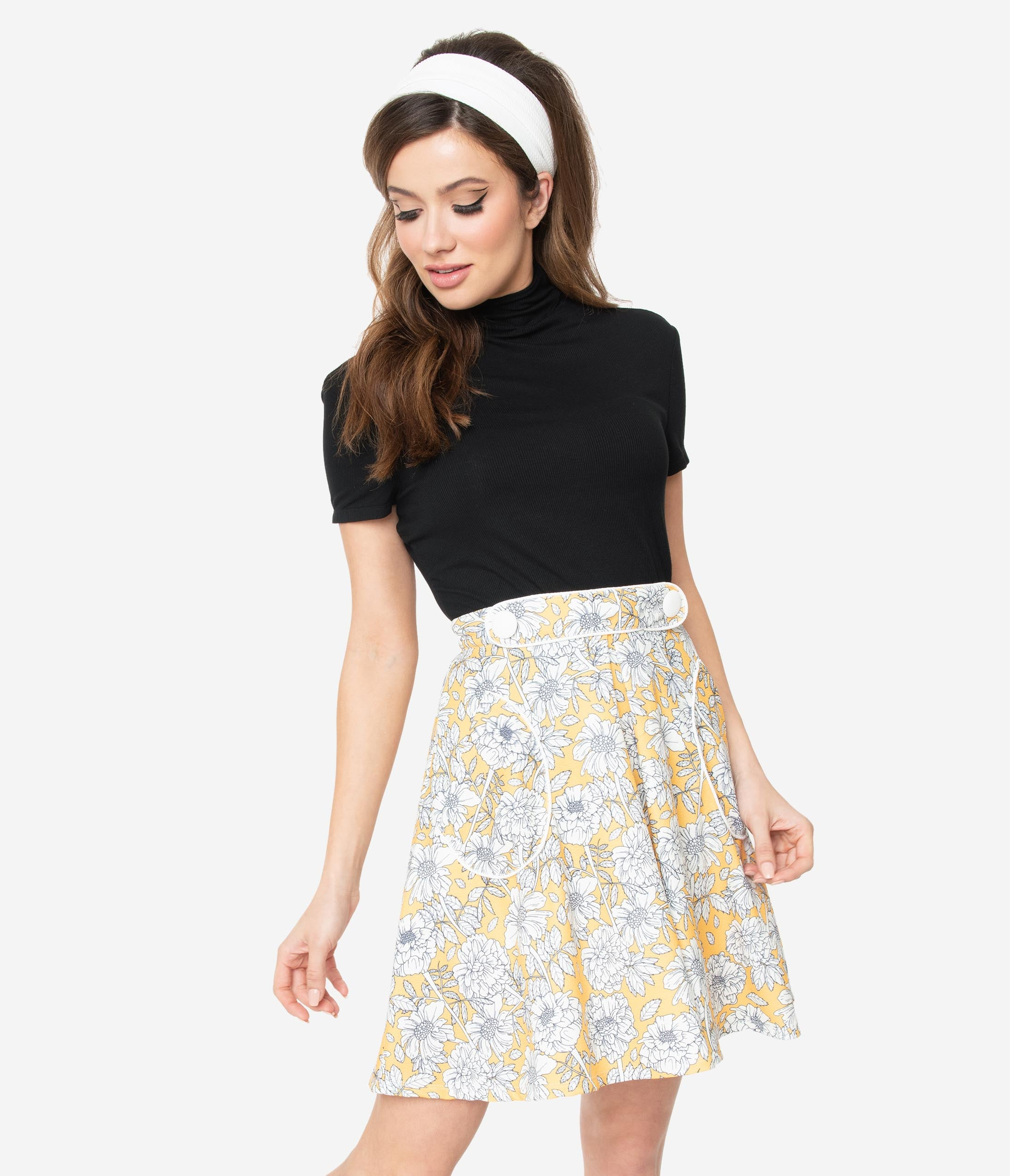 Hippie Costumes, Hippie Outfits Smak Parlour 1960S Yellow  White Floral Trend Setter Flare Skirt $48.00 AT vintagedancer.com
