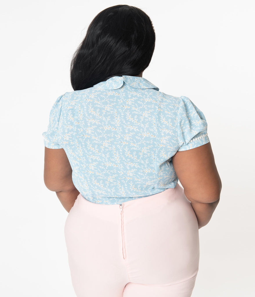 Unique Vintage Plus Size 1940s Light Blue & White Floral Print Pinky Top