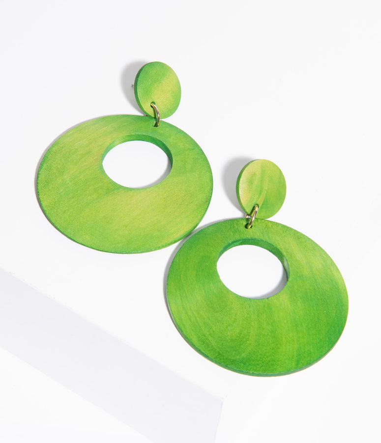 1960s Green Wooden Circle Drop Earring