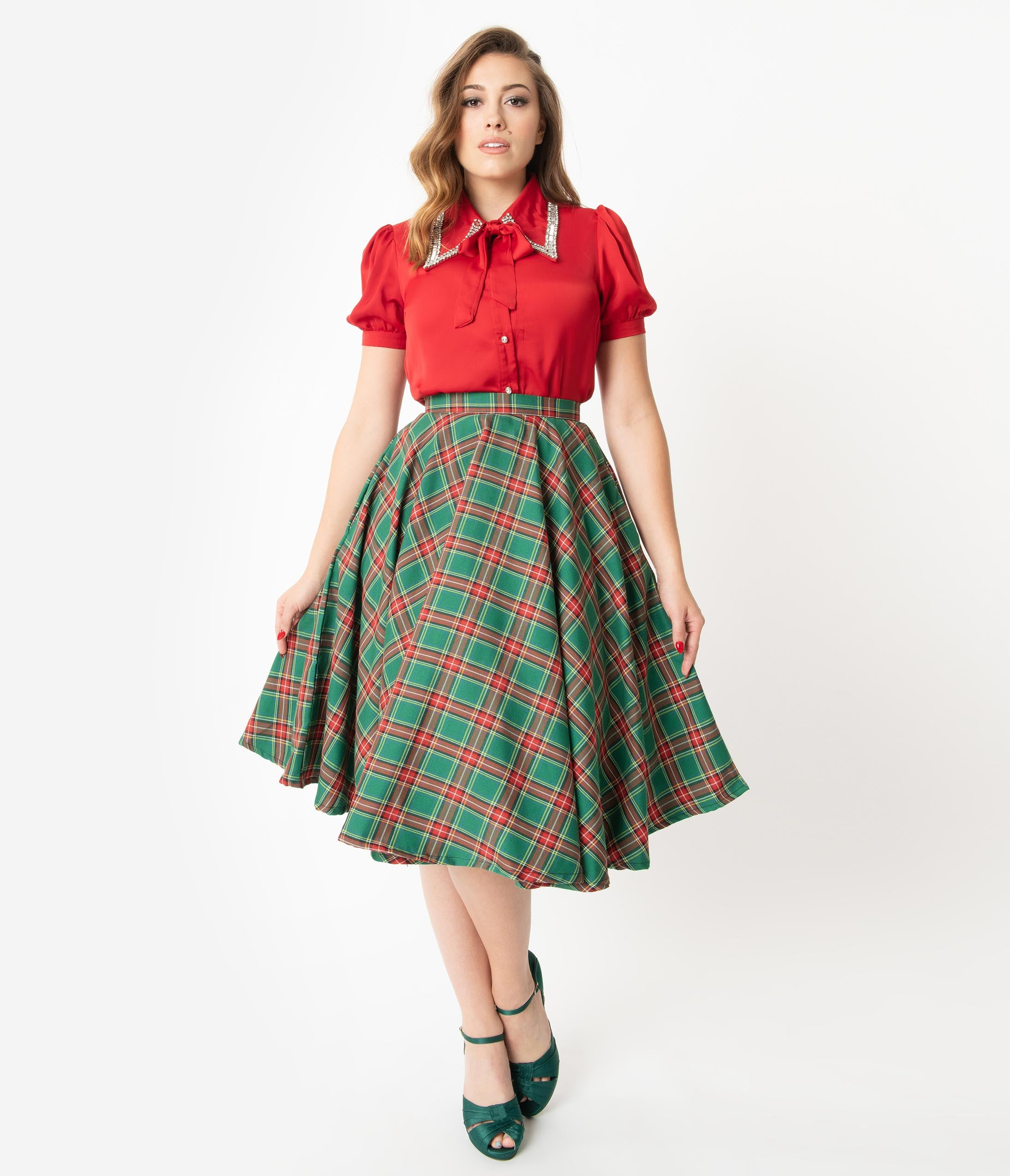1950s Swing Skirt, Poodle Skirt, Pencil Skirts 1950S Style Red  Green Tartan Swing Skirt $58.00 AT vintagedancer.com