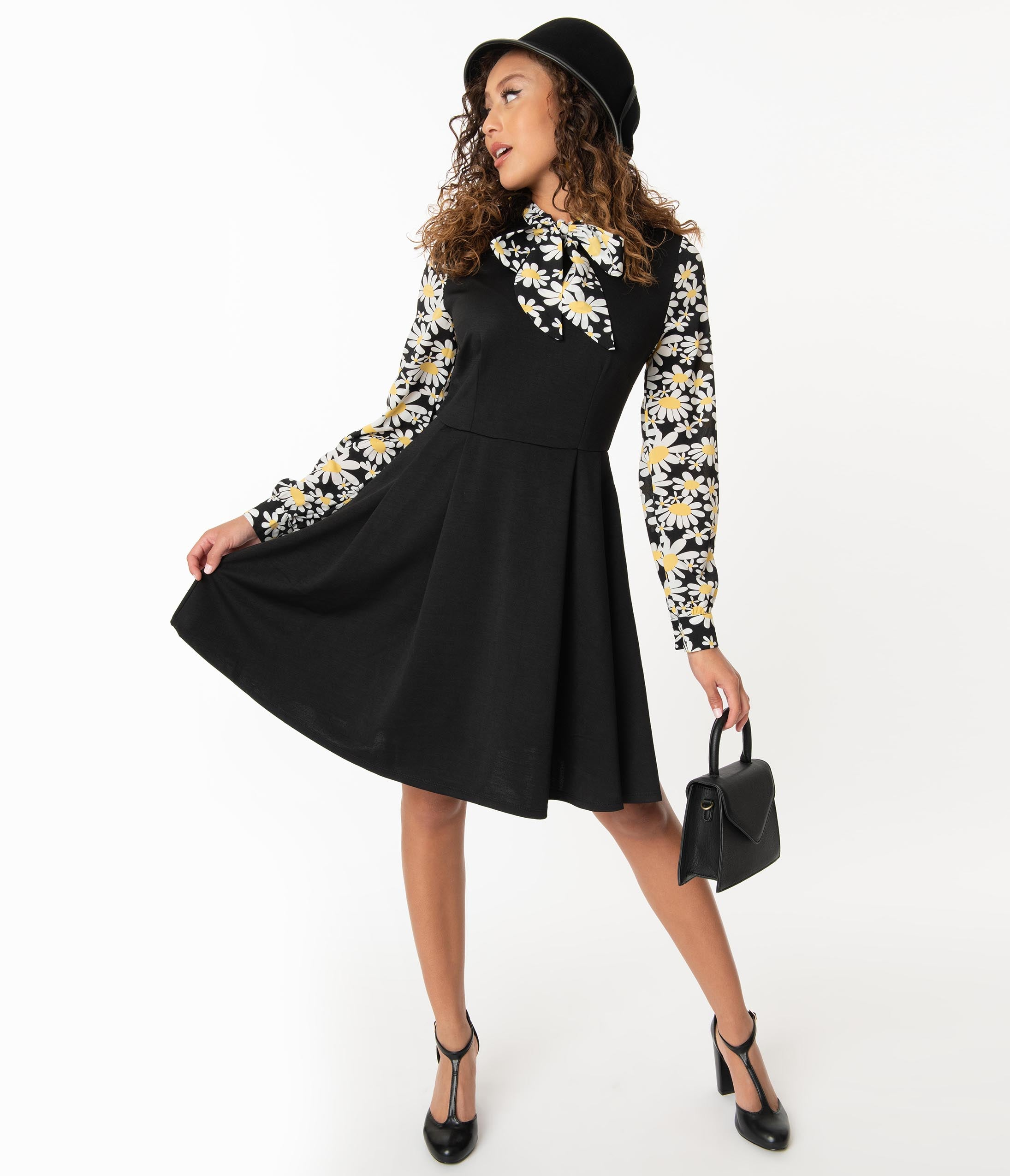 Vintage Style Dresses | Vintage Inspired Dresses Smak Parlour Black  Daisy Floral She.e.o. Fit  Flare Dress $78.00 AT vintagedancer.com