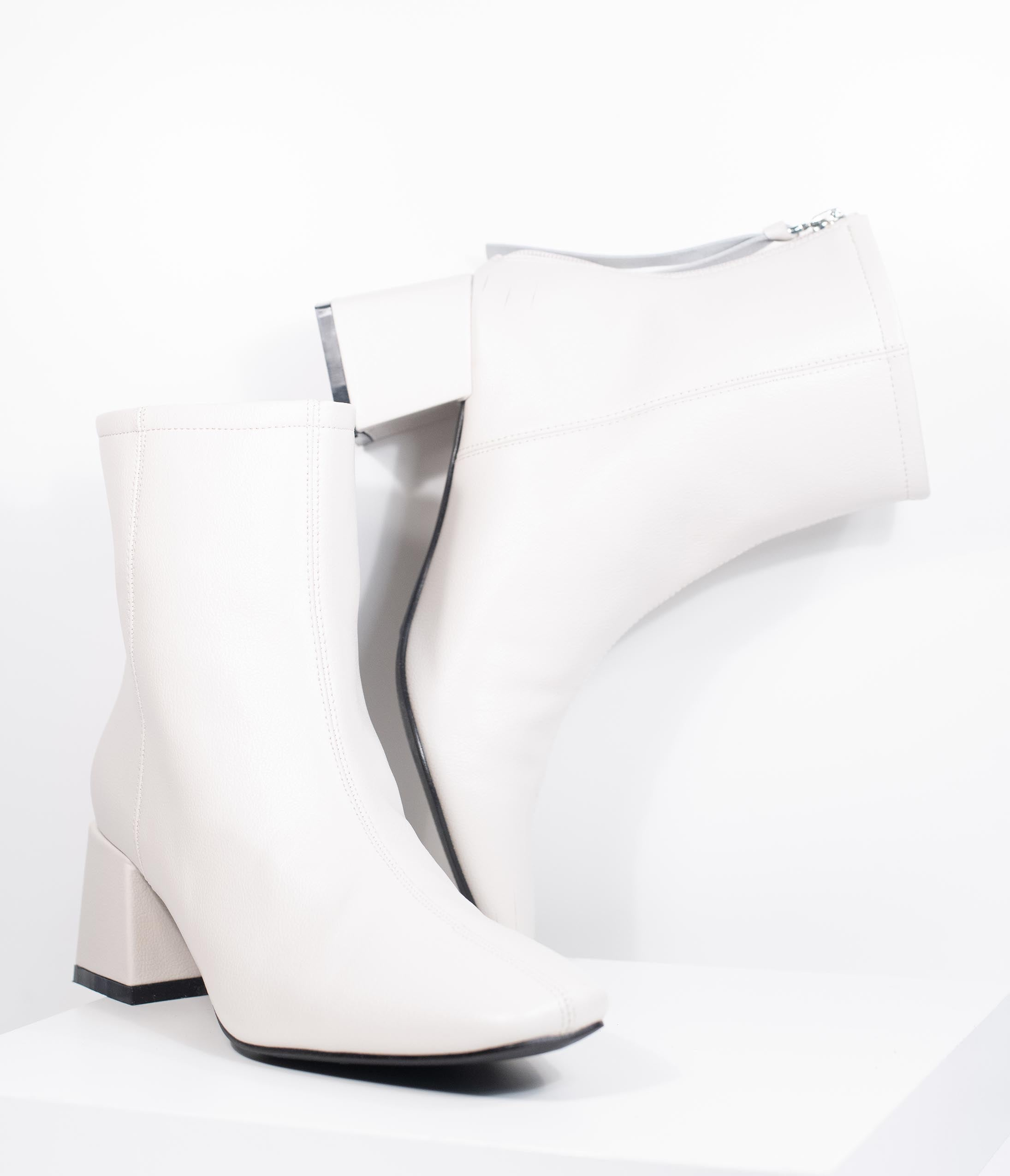 Vintage Boots- Buy Winter Retro Boots 1960S White Leatherette Block Heel Kadee Boot $54.00 AT vintagedancer.com