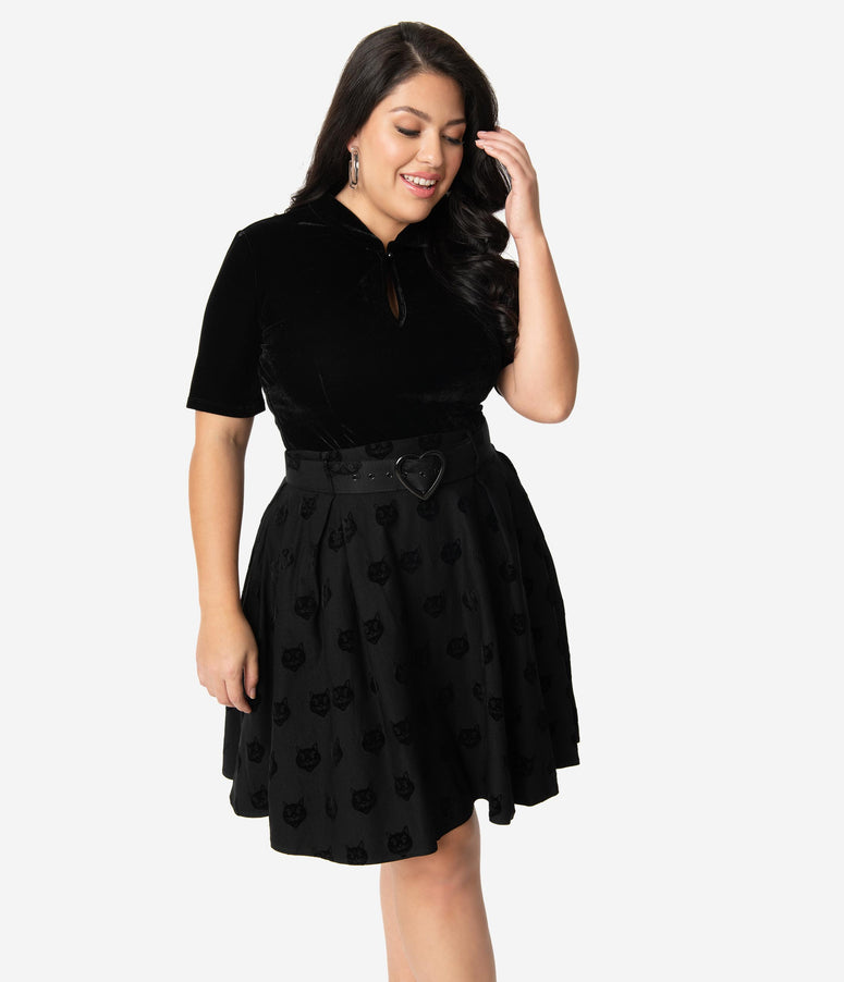 Collectif Plus Size Black Velvet Cat Naomi Skater Skirt