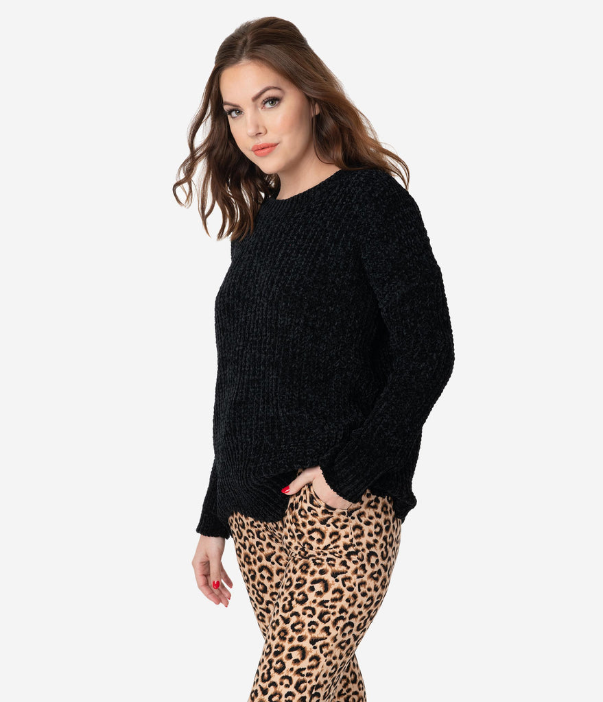 Black Pearl Scallop Knit Sweater