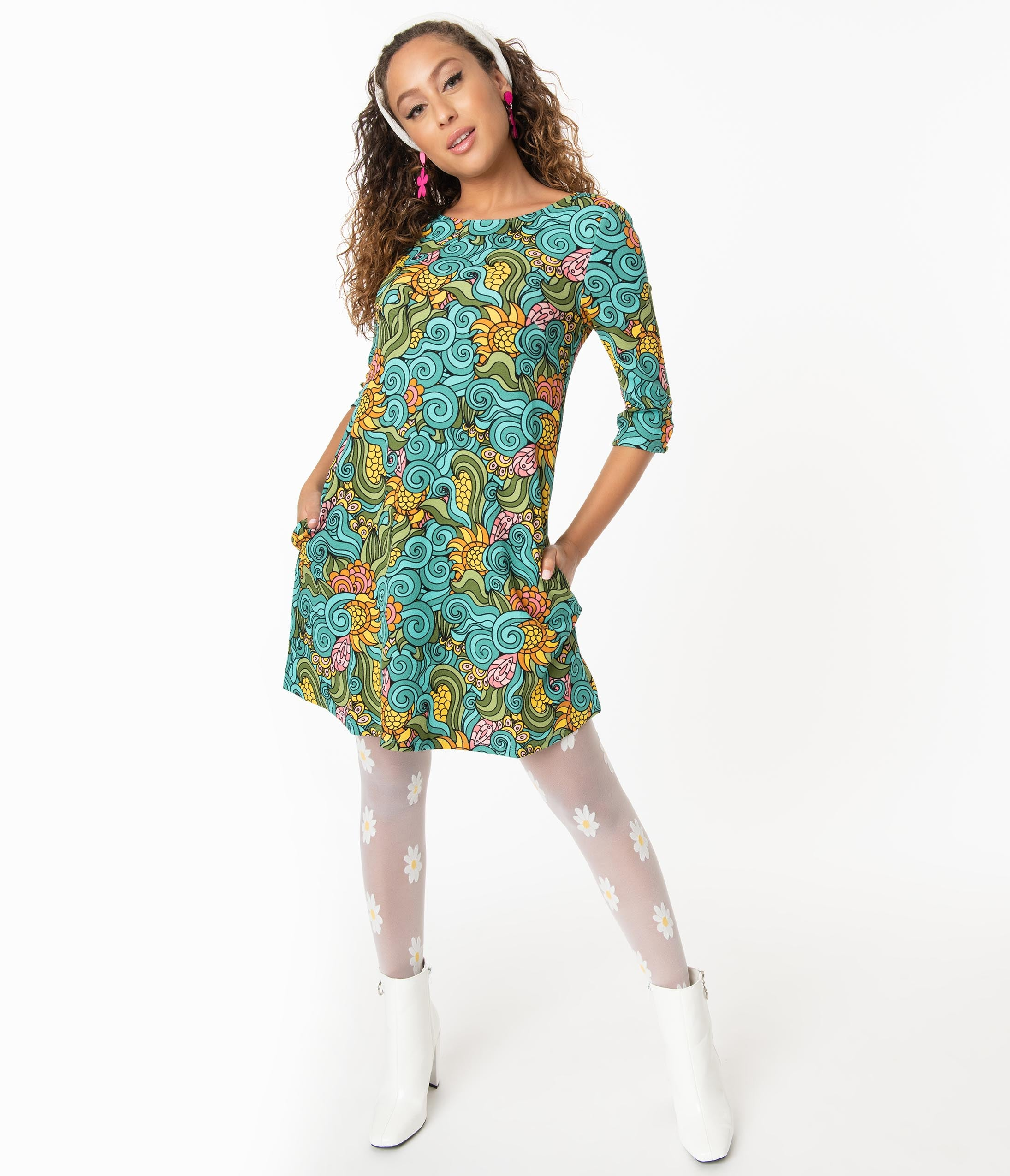 60s Mod Clothing Outfit Ideas Smak Parlour Groovy Floral Cosmic Shift Dress $58.00 AT vintagedancer.com