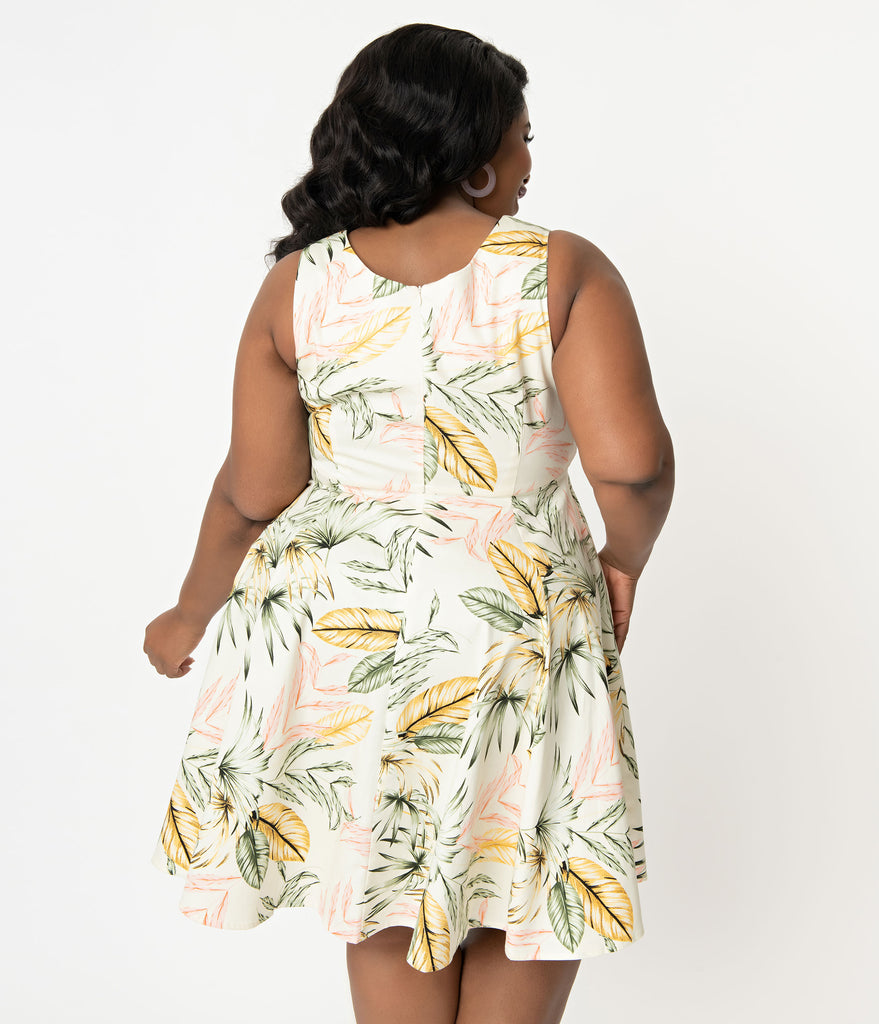 Plus Size 1950s Style Cream Palm Print Swing Dress