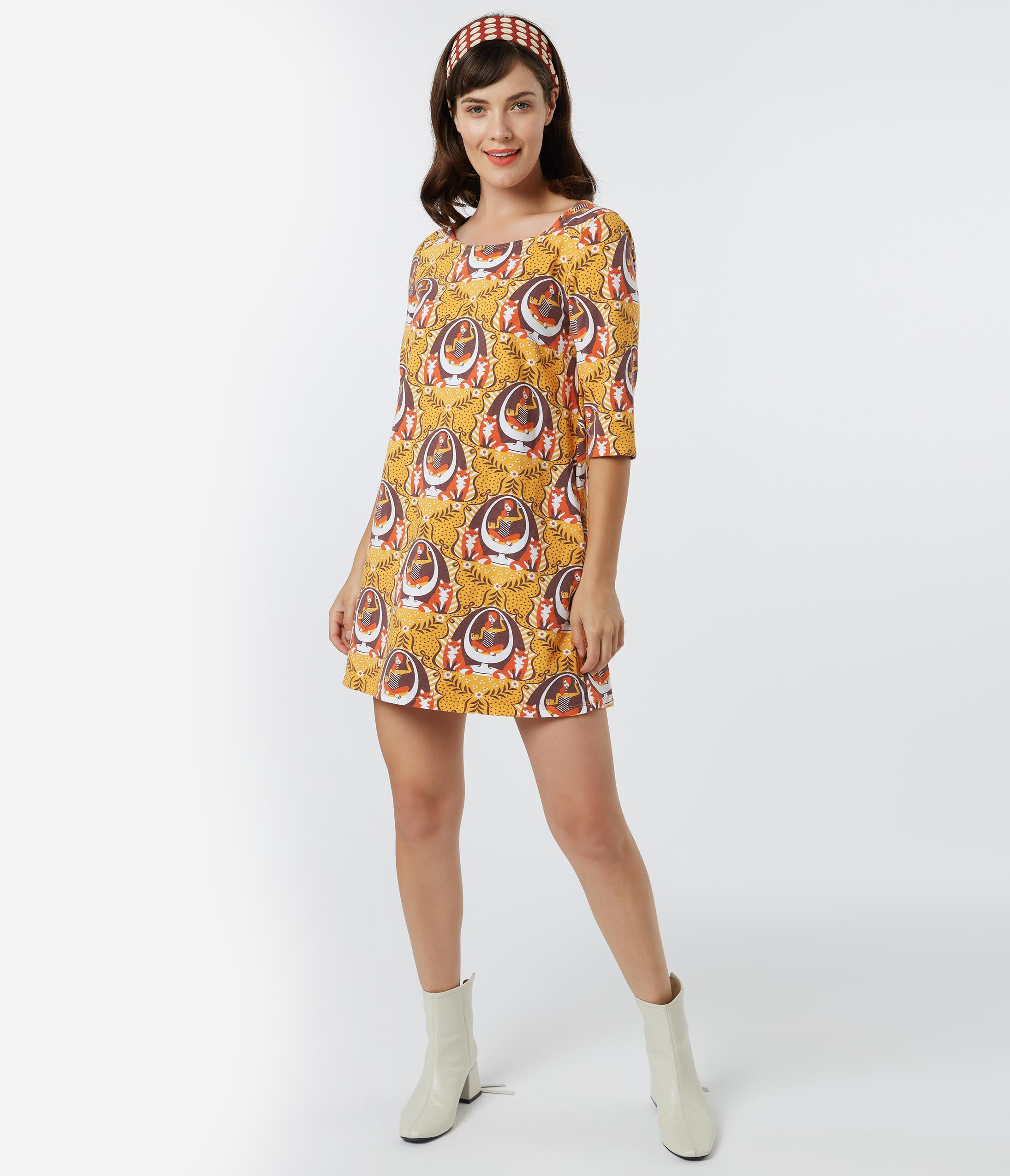 Vintage Style Dresses | Vintage Inspired Dresses 1960S Style A Well Protected Lass Print Tunic Dress $52.00 AT vintagedancer.com