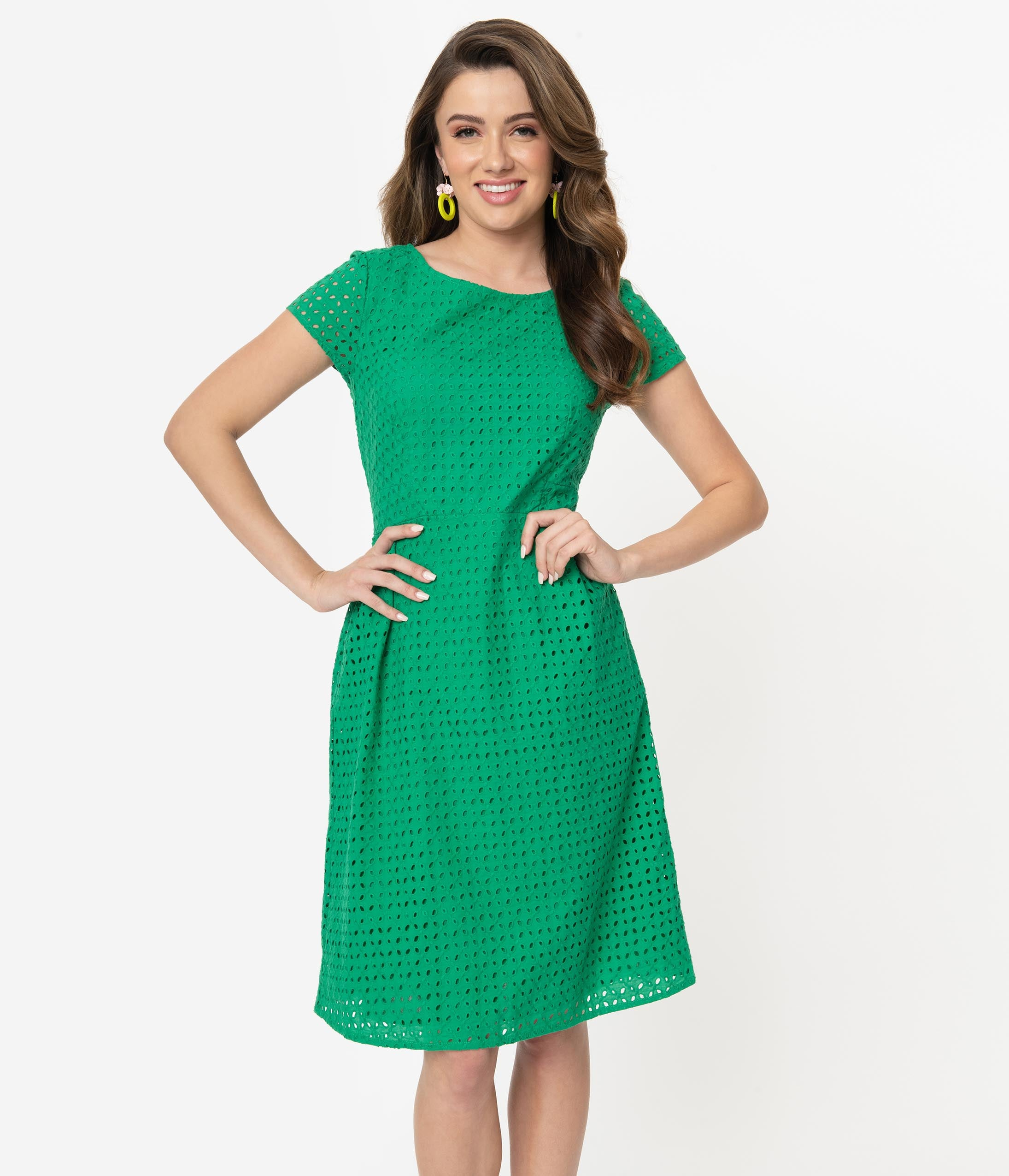 500 Vintage Style Dresses for Sale | Vintage Inspired Dresses Green Broderie Anglaise Jill Summer Dress $98.00 AT vintagedancer.com