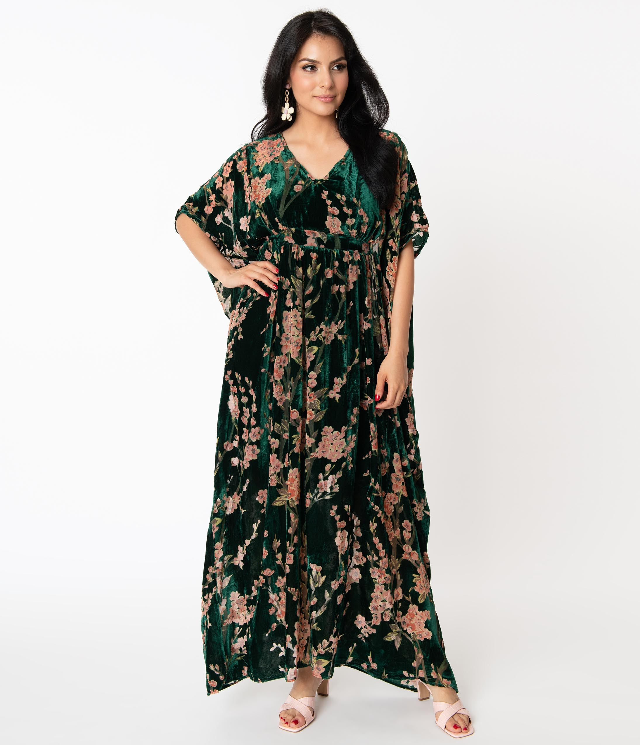 Vintage Style Dresses | Vintage Inspired Dresses Unique Vintage Emerald  Pink Floral Devore Velvet Liz Caftan Dress $110.00 AT vintagedancer.com