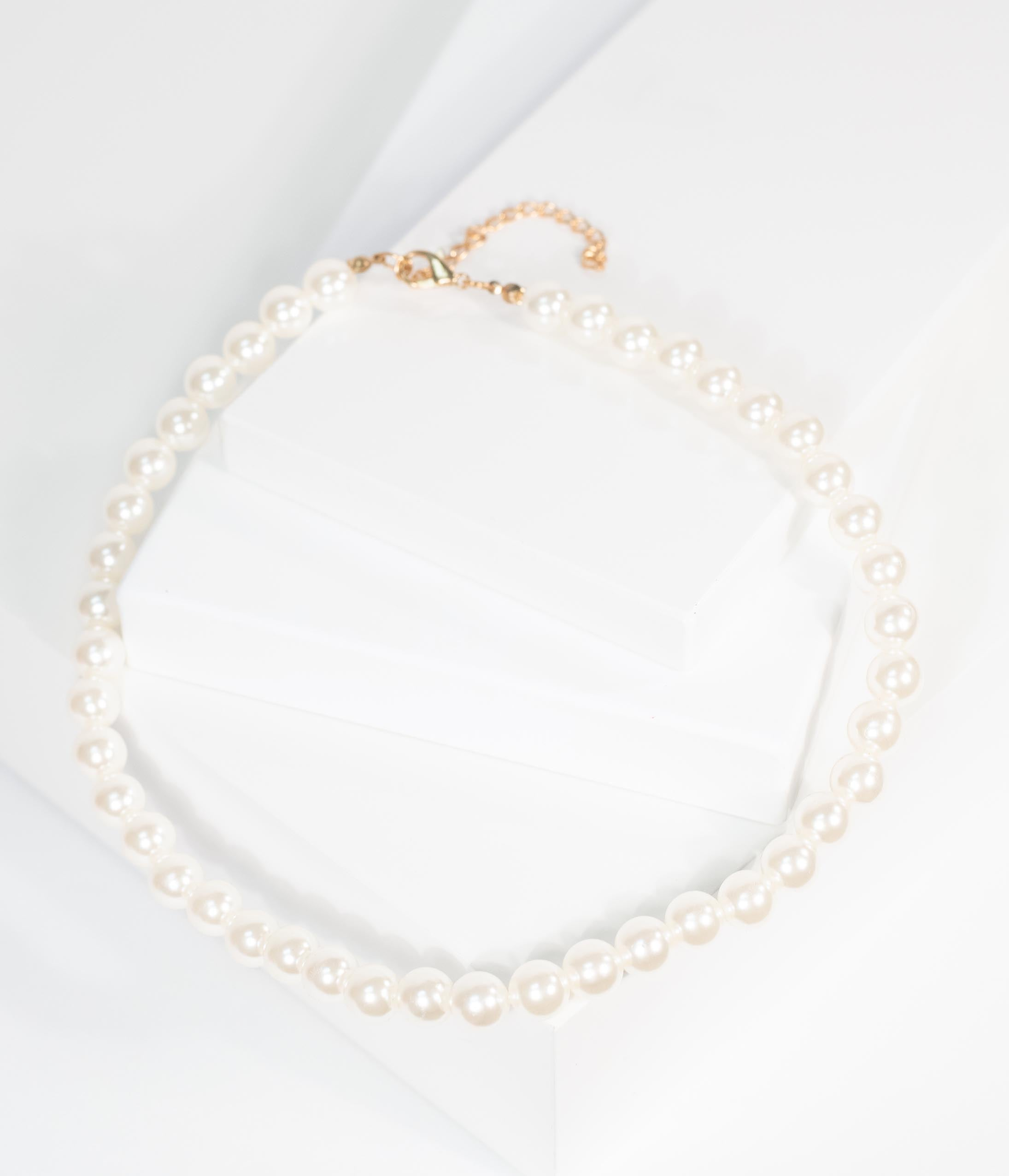 Vintage Style Jewelry, Retro Jewelry Vintage Style Ivory Pearl Single Row Necklace $18.00 AT vintagedancer.com