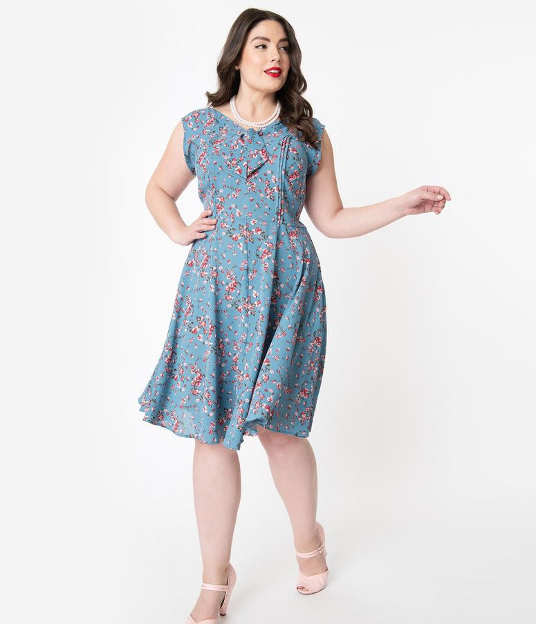 Unique Vintage Plus Size 1940s Chambray Blue & Pink Floral Print Havilland Dress
