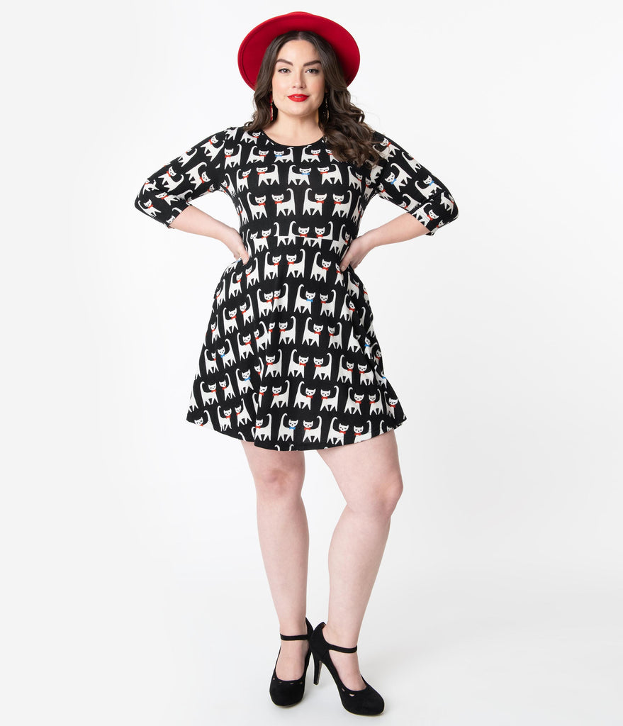 Plus Size Black & White Cat Print Knit Fit & Flare Sweater Dress