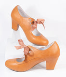 Vintage Style Camel Tan Leatherette Wiggle Bow Heels