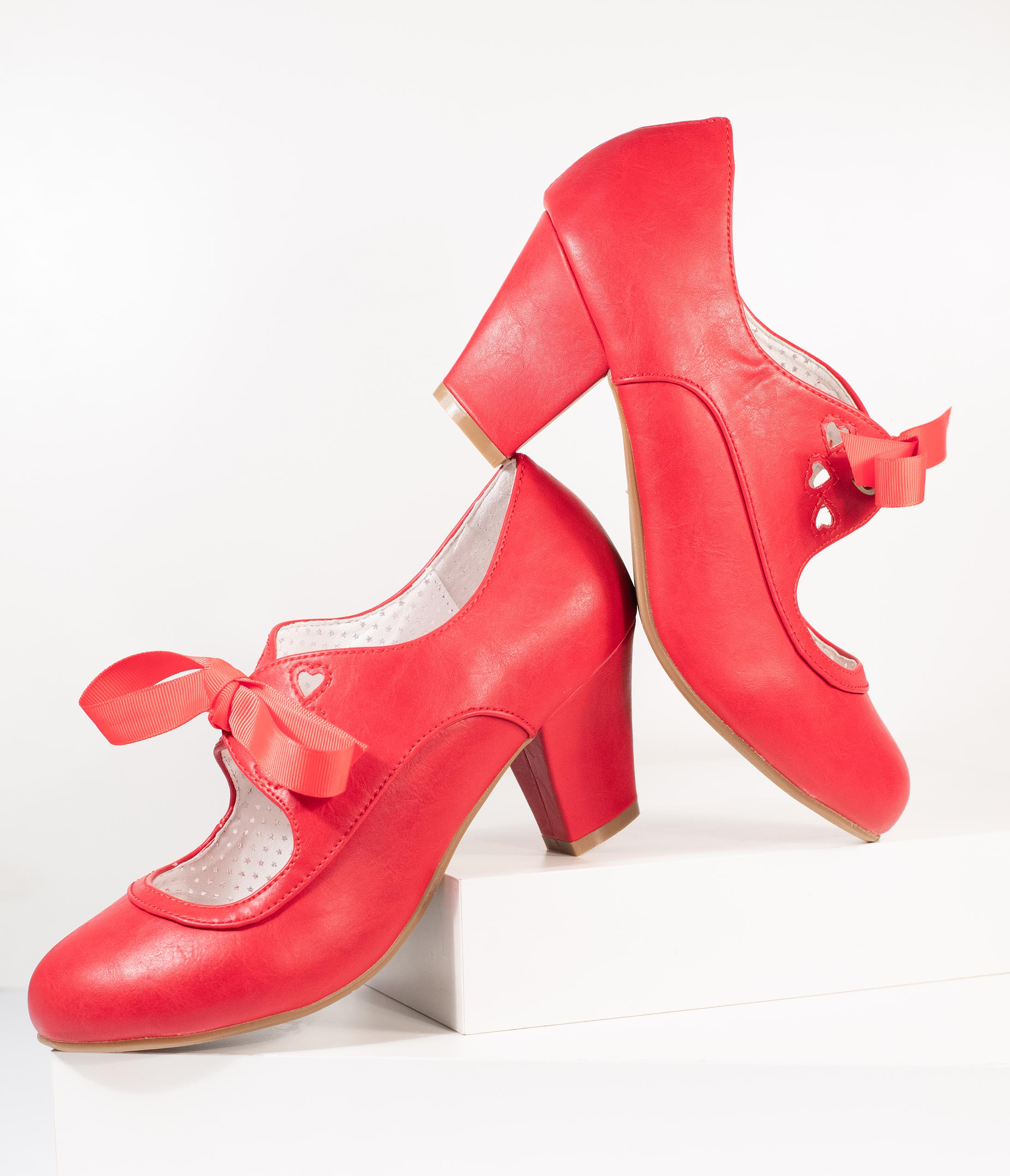 Vintage Style Shoes, Vintage Inspired Shoes Vintage Style Red Leatherette Wiggle Bow Heels $58.00 AT vintagedancer.com