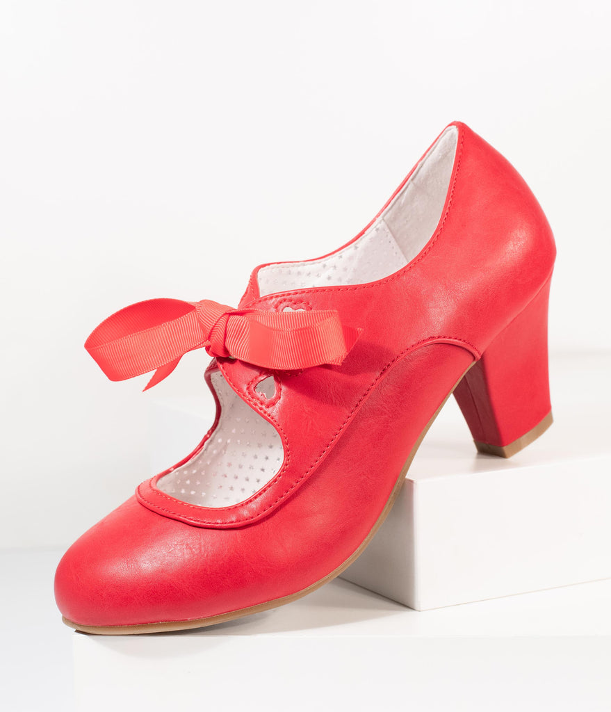 Vintage Style Red Leatherette Wiggle Bow Heels