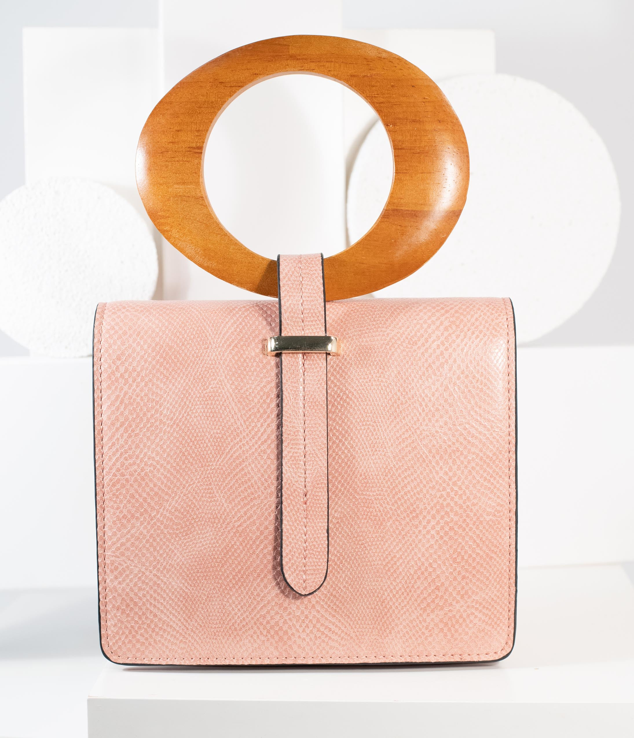 60s Dresses | 1960s Dresses Mod, Mini, Hippie Blush Pink Leatherette Wood Handle Crossbody Purse $54.00 AT vintagedancer.com