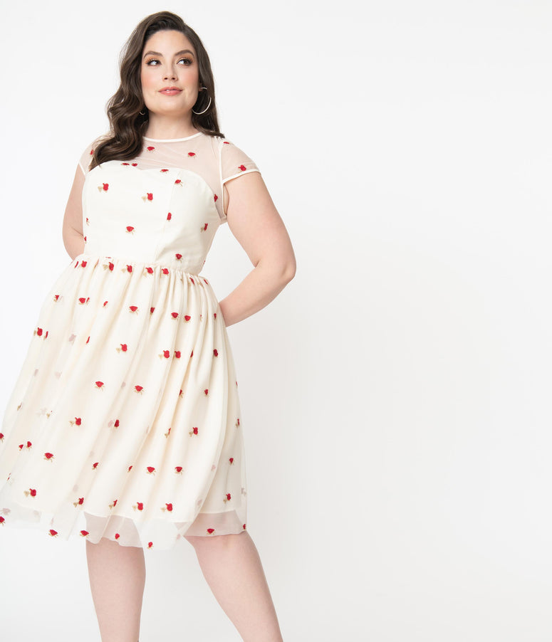 Plus Size 1950s Cream & Red Rose Floral Melissa Swing Dress