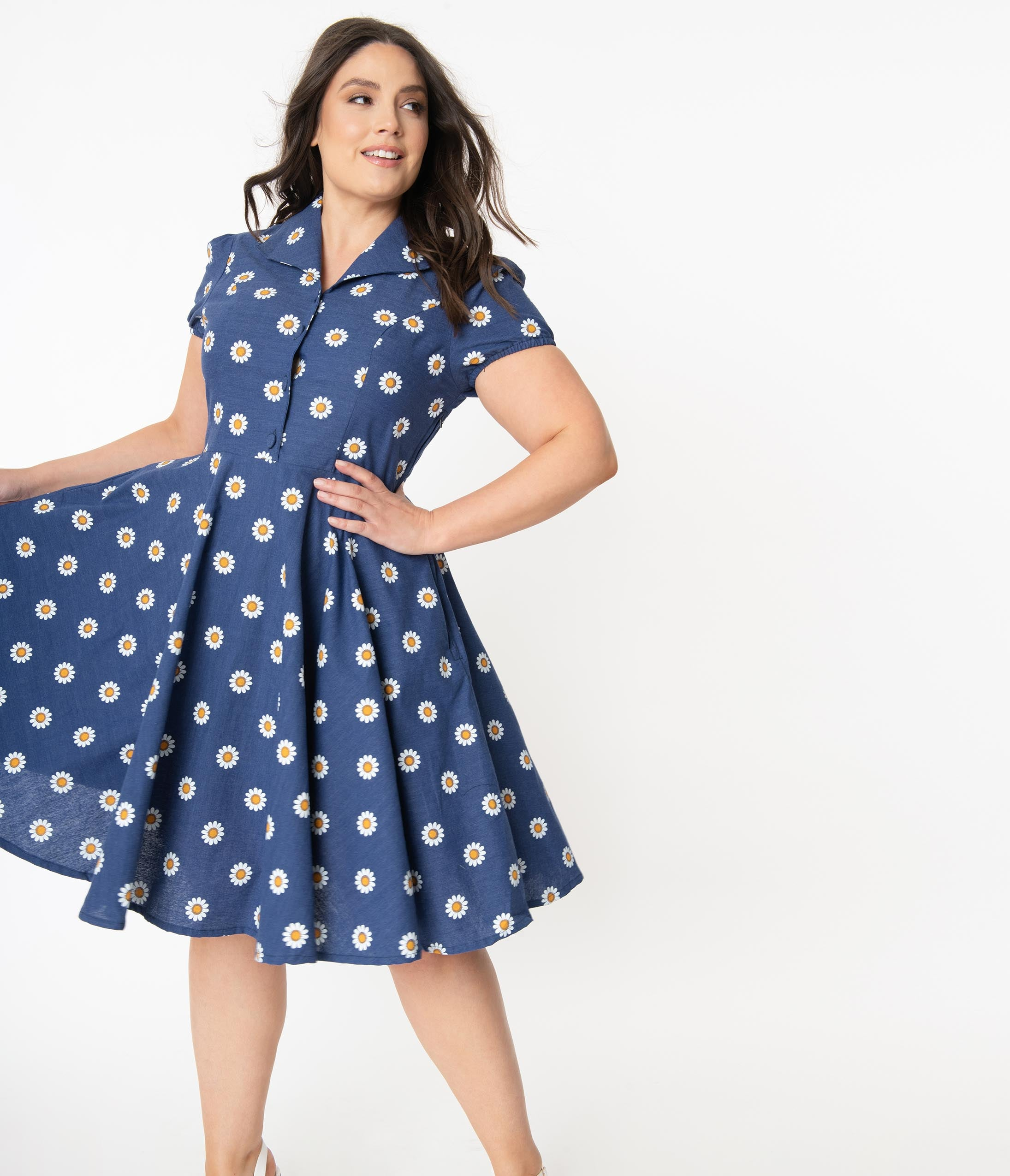 1950s Plus Size Dresses, Swing Dresses Plus Size 1950S Style Navy Blue Daisy Print Short Sleeve Mona Swing Dress $88.00 AT vintagedancer.com