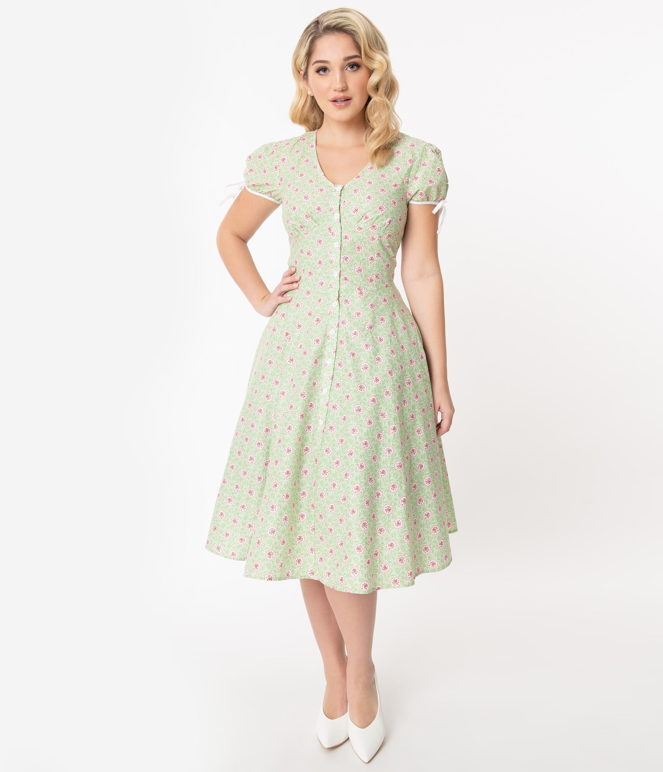 1940s Fashion Advice for Tall Women Unique Vintage Mint Floral Print Dora Swing Dress $78.00 AT vintagedancer.com