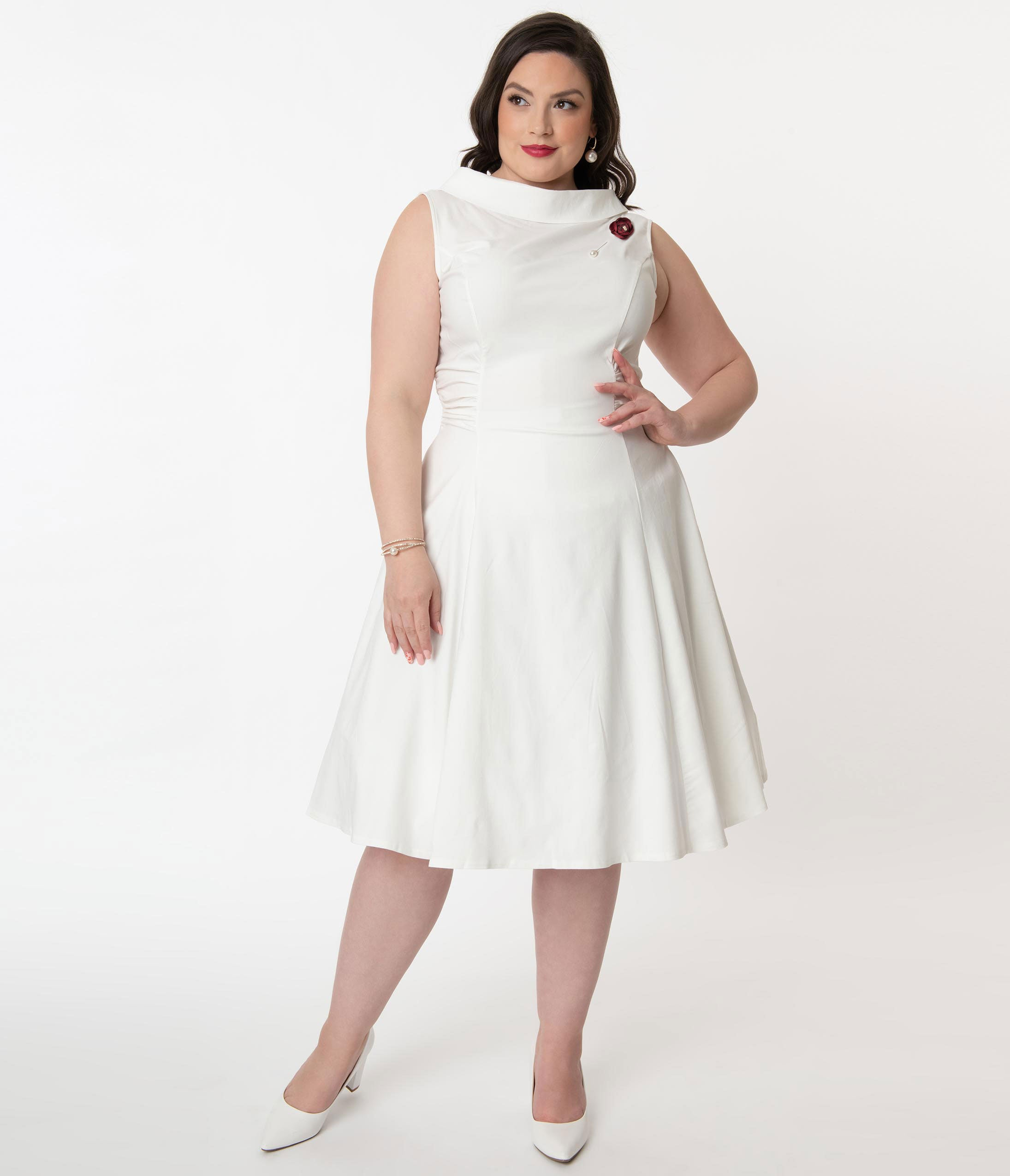 What Did Women Wear in the 1950s? 1950s Fashion Guide Unique Vintage Plus Size 1950S Ivory Eliza Swing Dress $78.00 AT vintagedancer.com