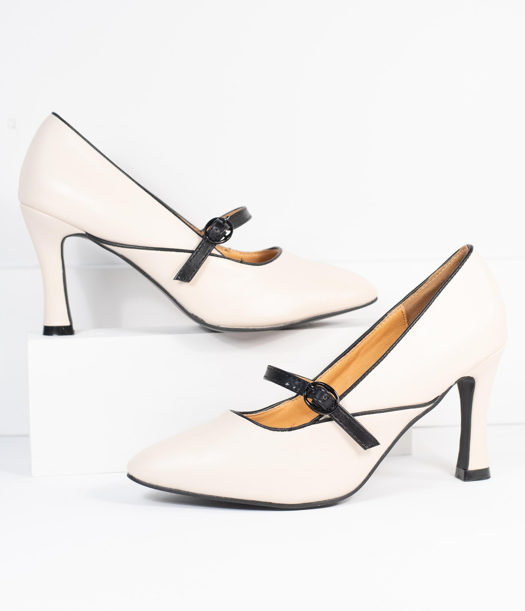 Ivory & Black Piped Pointed Toe Heel