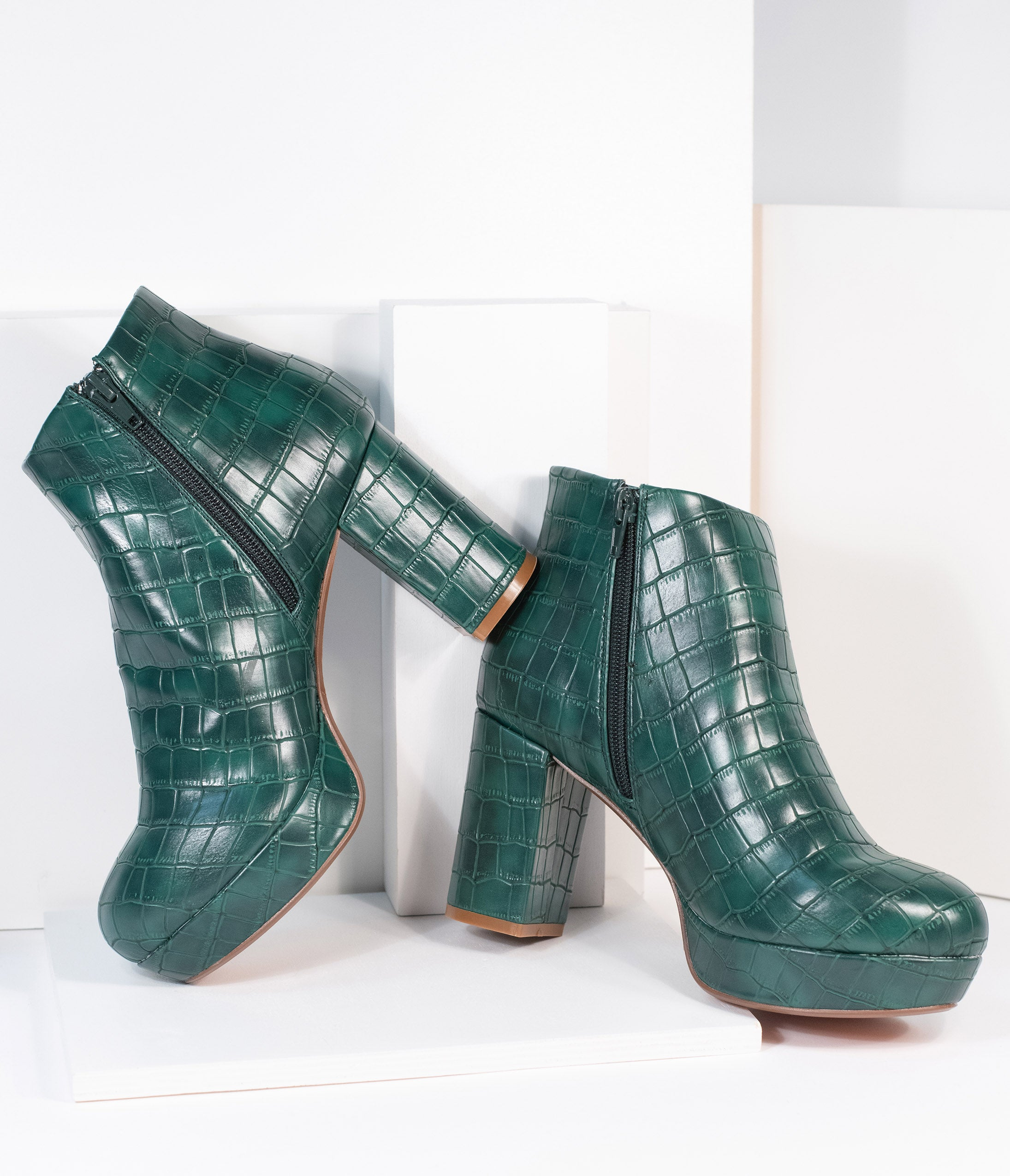 70s Shoes, Platforms, Boots, Heels | 1970s Shoes Chelsea Crew 1970S Green Crocodile Disco Booties $124.00 AT vintagedancer.com