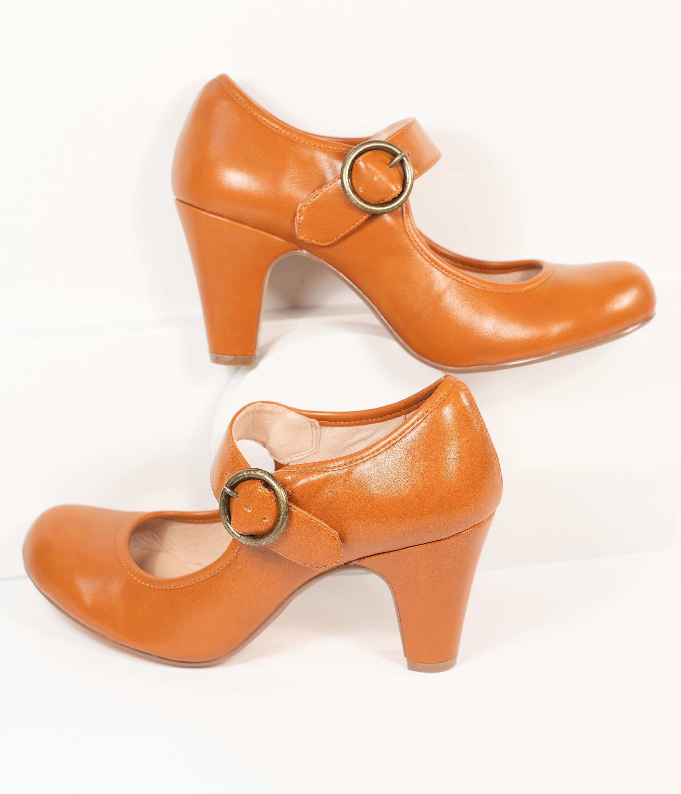 Vintage Heels, Retro Heels, Pumps, Shoes Chelsea Crew 1940S Brown Leatherette Madeline Pumps $82.00 AT vintagedancer.com