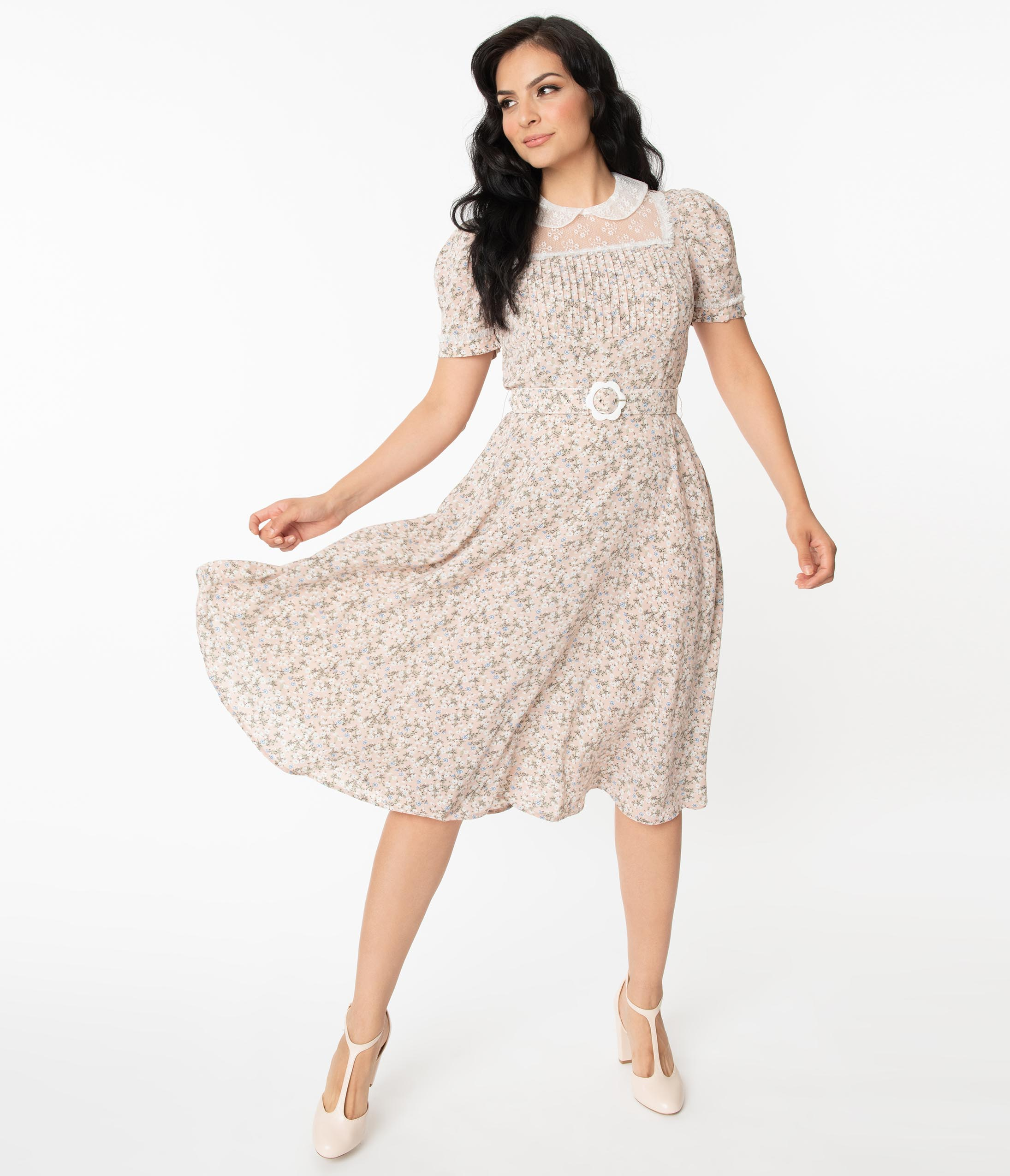 1940s Fashion Advice for Tall Women Unique Vintage Dusty Pink Dainty Floral Morton Swing Dress $78.00 AT vintagedancer.com