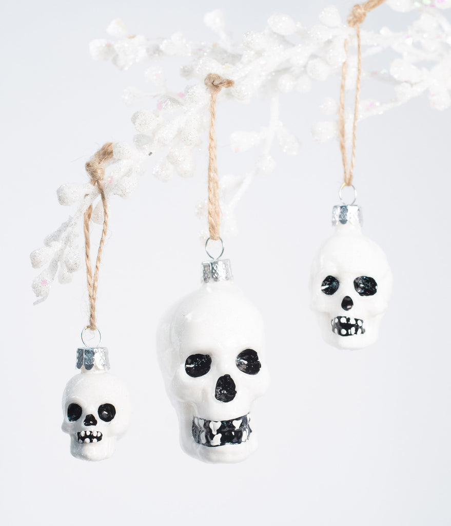 Skull Glass Ornament Set