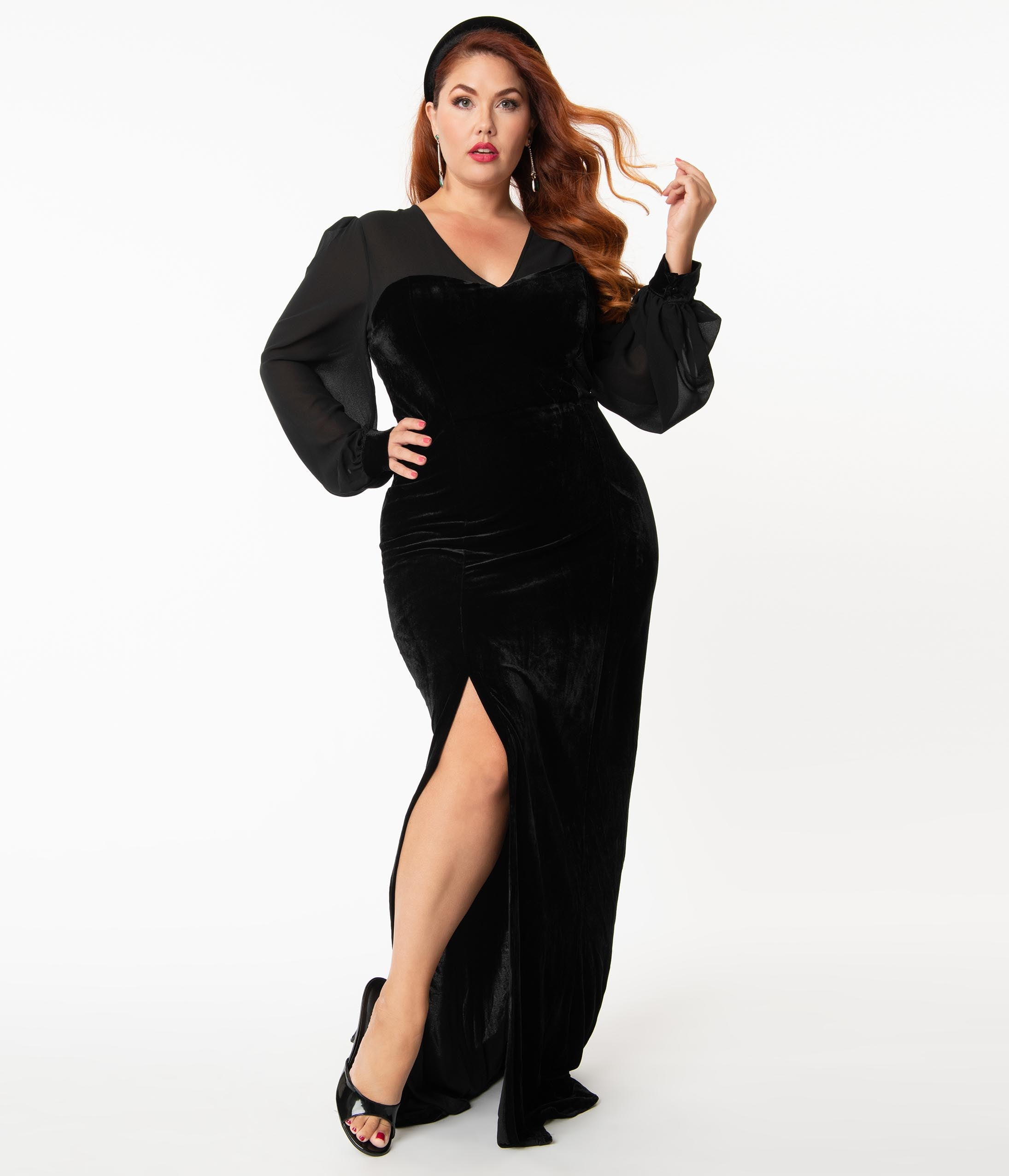 1950s Style Clothing & Fashion Collectif Plus Size Black Velvet Arionna Fitted Gown $102.00 AT vintagedancer.com
