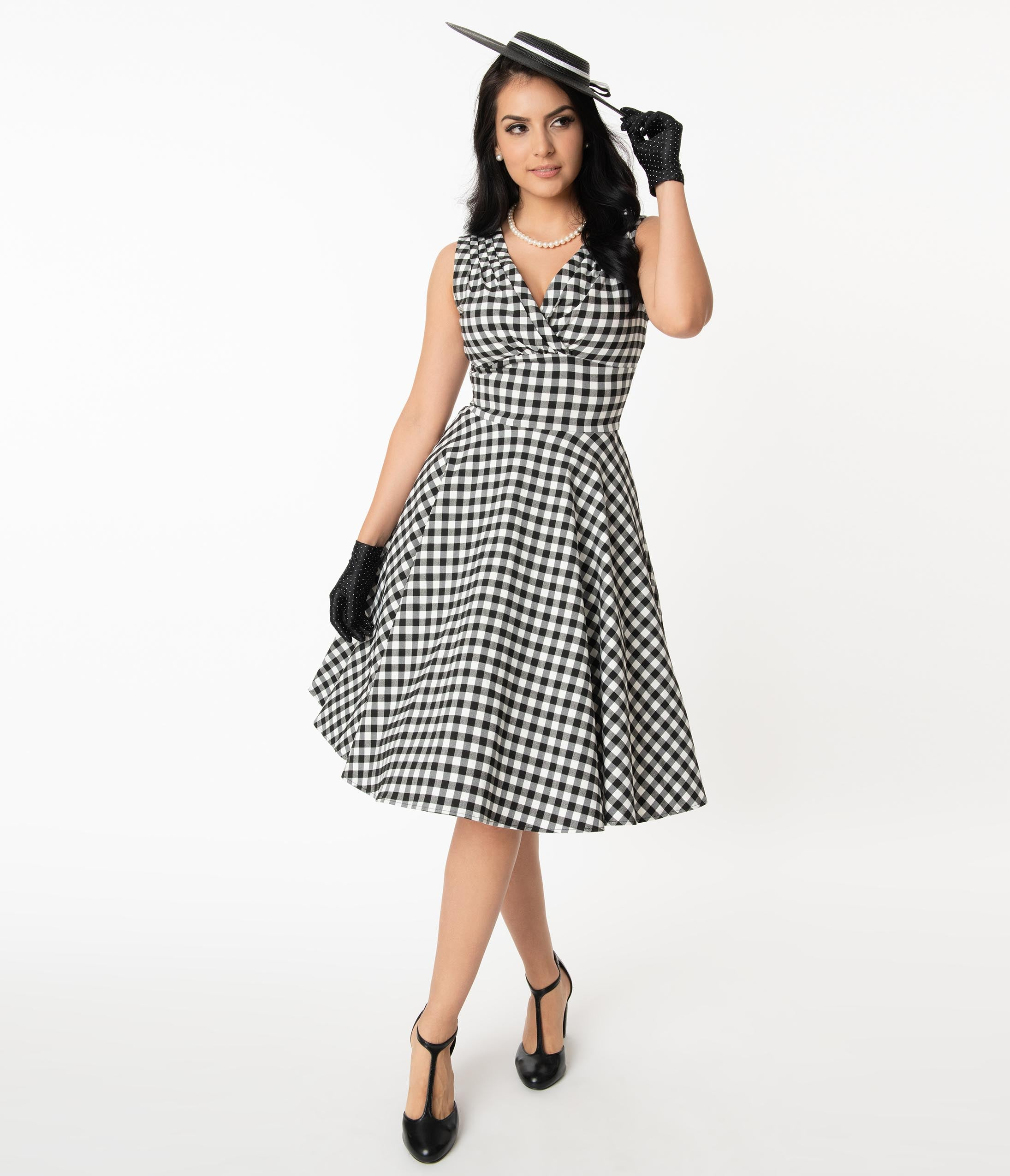 1950s Plus Size Dresses, Swing Dresses Unique Vintage 1950S Black  White Gingham Sleeveless Delores Swing Dress $82.00 AT vintagedancer.com