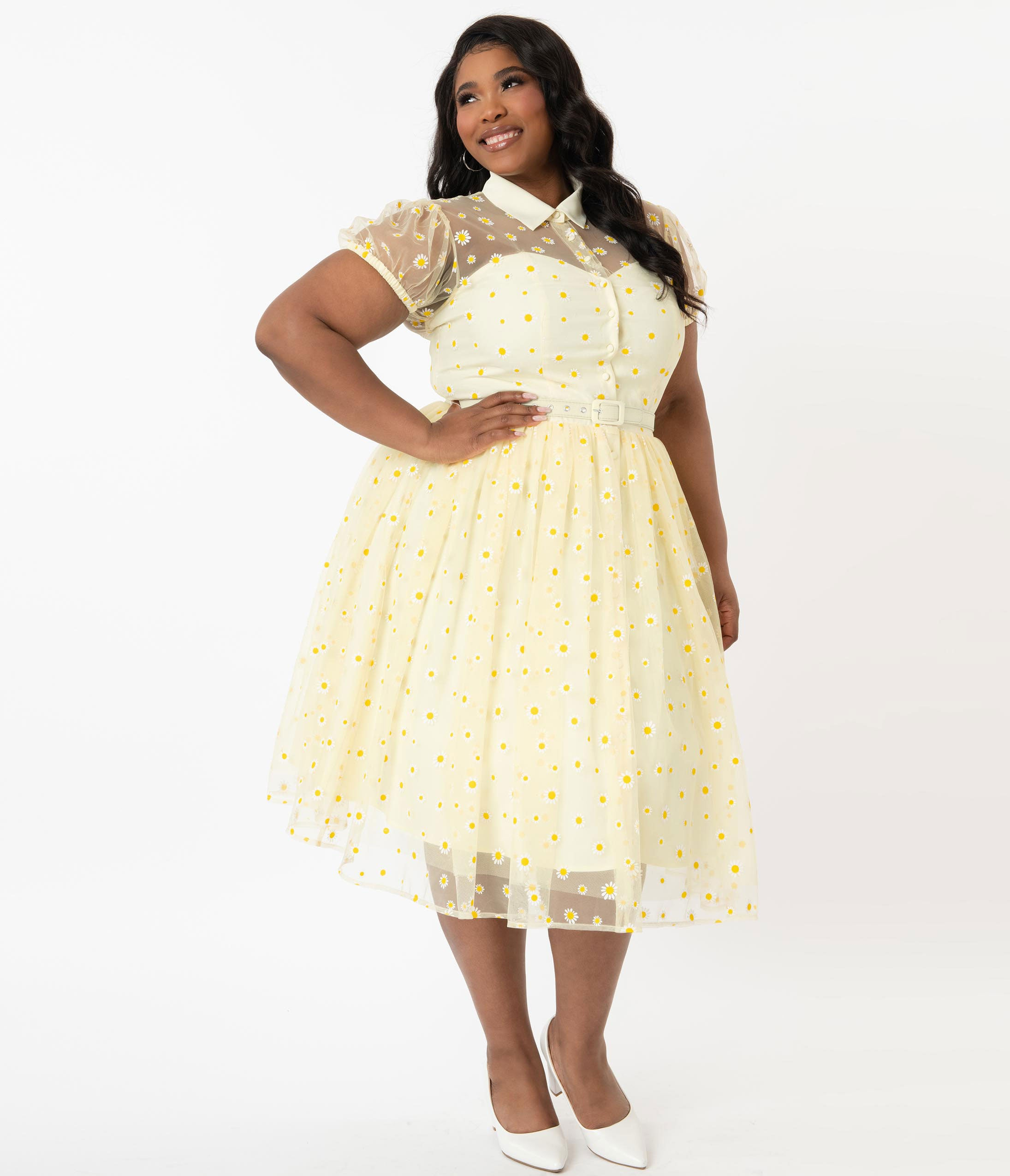 What Did Women Wear in the 1950s? 1950s Fashion Guide Unique Vintage Plus Size Yellow  White Daisy Print Hollie Swing Dress $78.00 AT vintagedancer.com