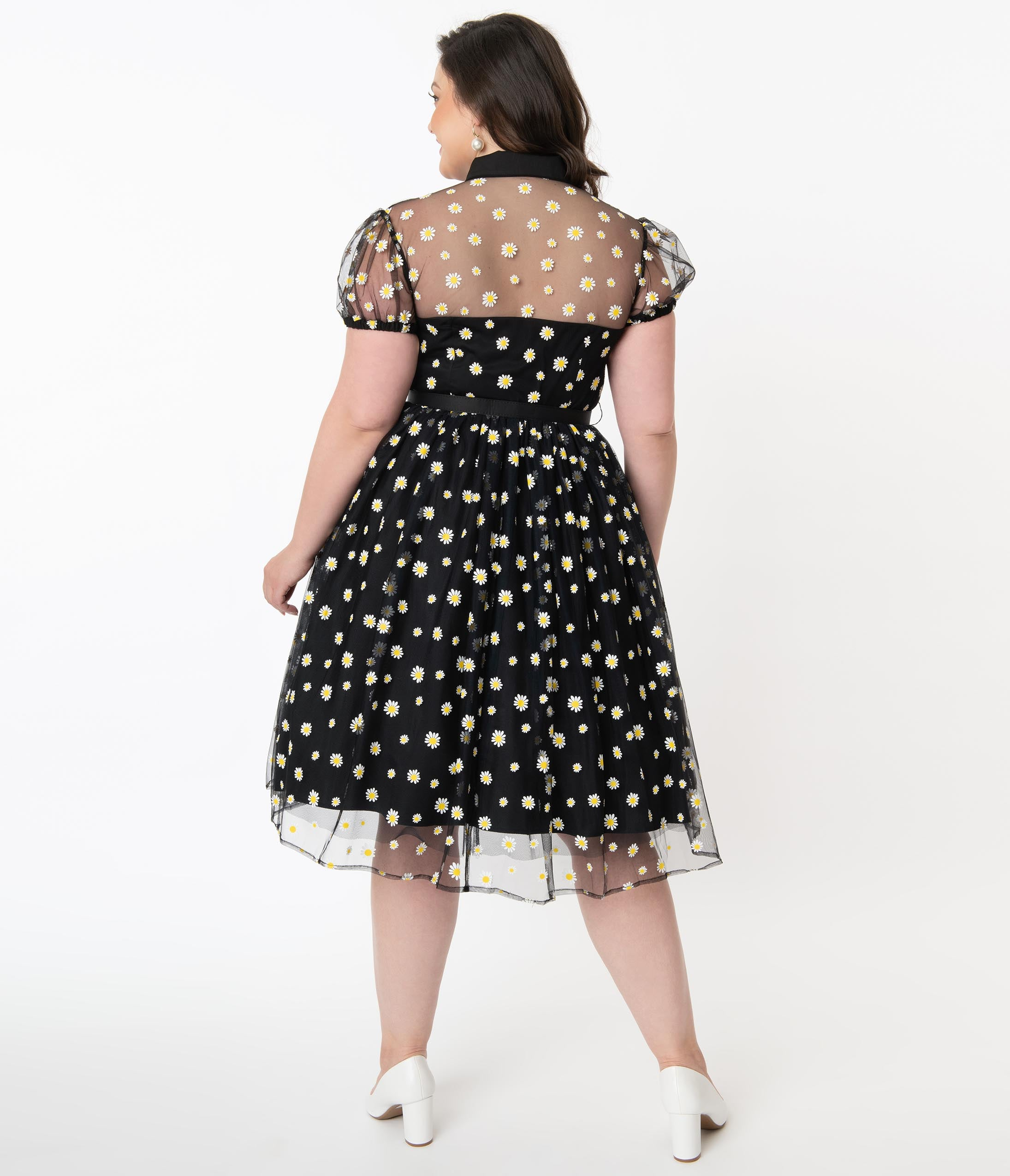 Size 14 Plus Size Vintage Cream and Brown Floral Pleated Dress