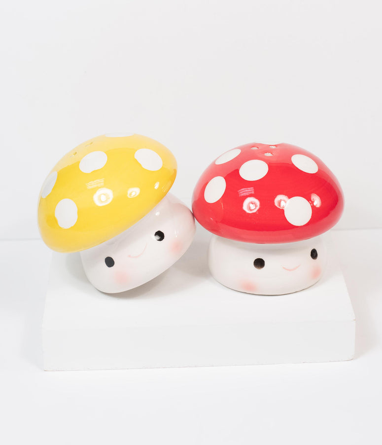 Ceramic Mushroom Salt & Pepper Shaker Set