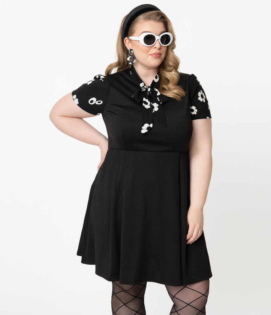 Smak Parlour Plus Size Black & White Floral Collar Empower Hour Fit & Flare Dress