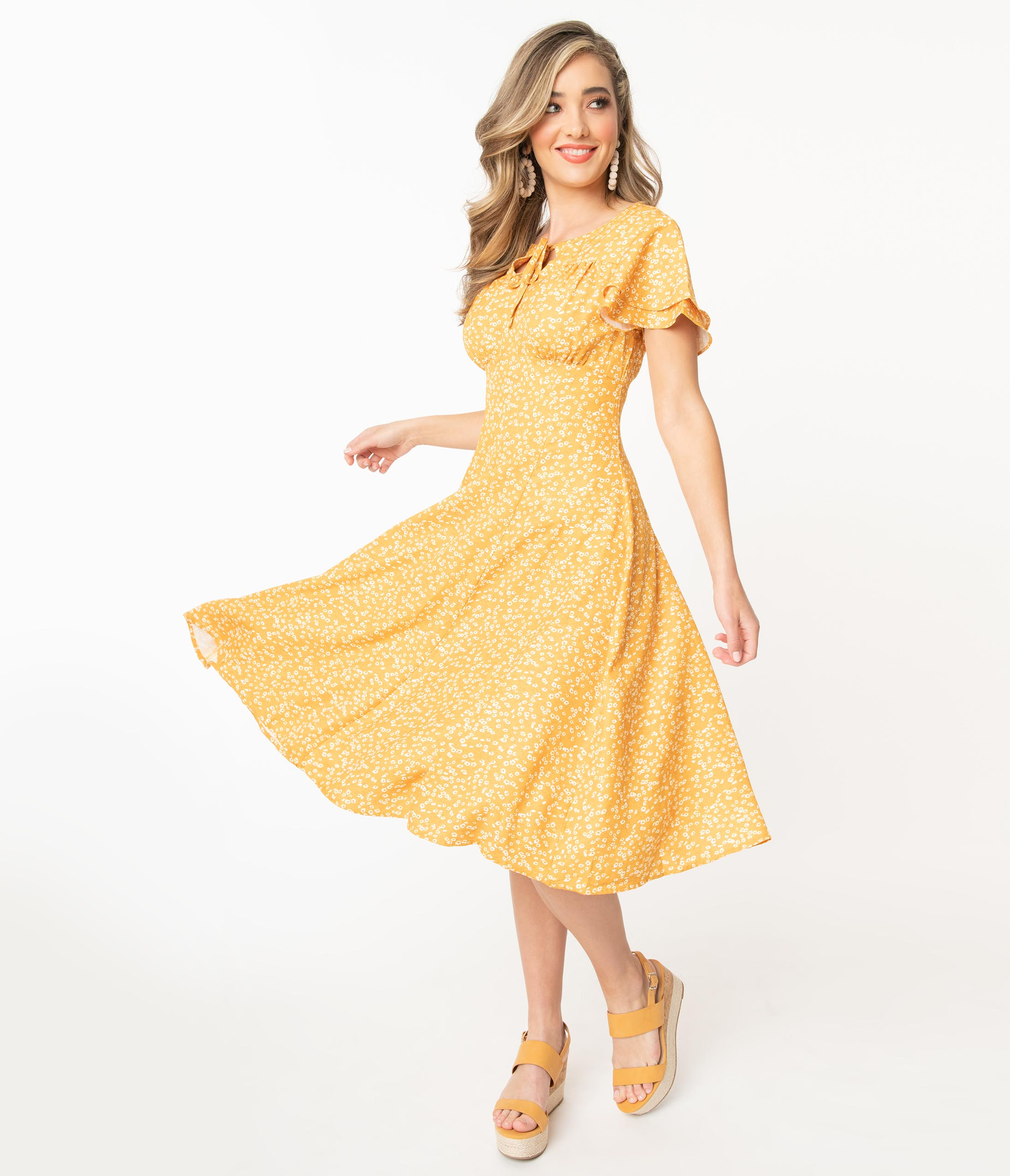 1950s Plus Size Dresses, Swing Dresses 1950S Mustard  Ivory Ditsy Floral Print Sanj Swing Dress $78.00 AT vintagedancer.com