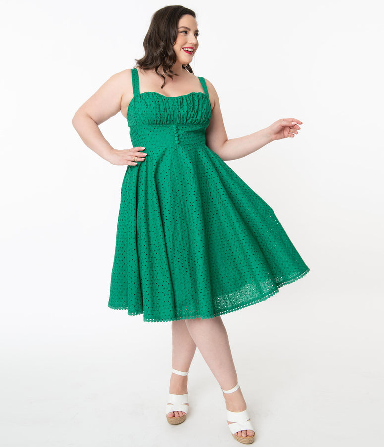 Plus Size Vintage Style Green Floral Eyelet Valerie Swing Dress