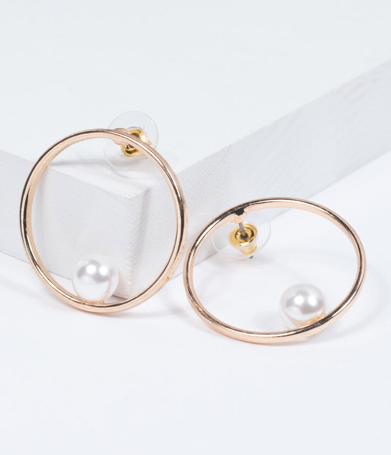 Pearl & Golden Circle Hoop Earring