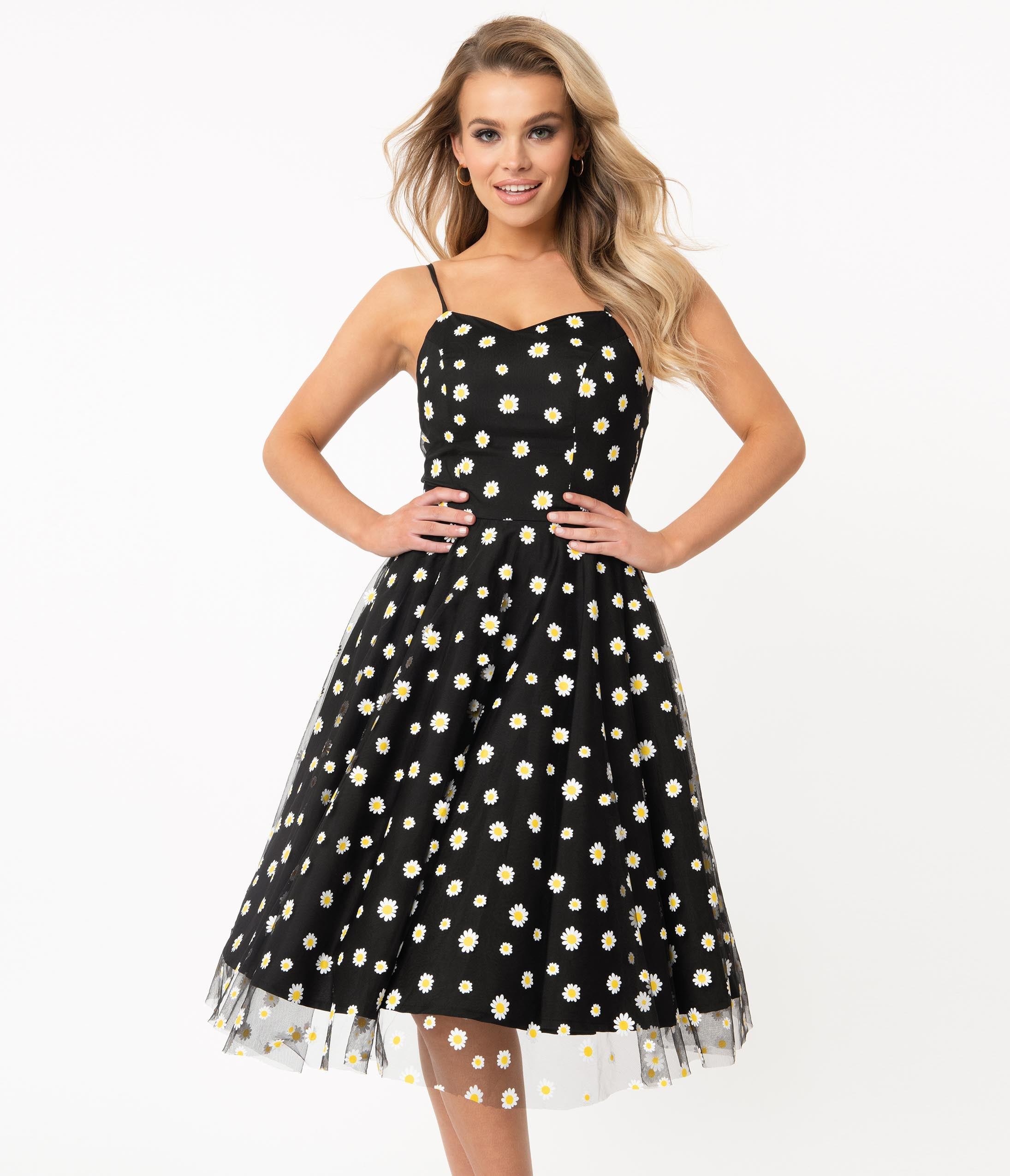 1950s Cocktail Dresses, Party Dresses 1950S Style Black  White Daisy Print Ray Swing Dress $88.00 AT vintagedancer.com