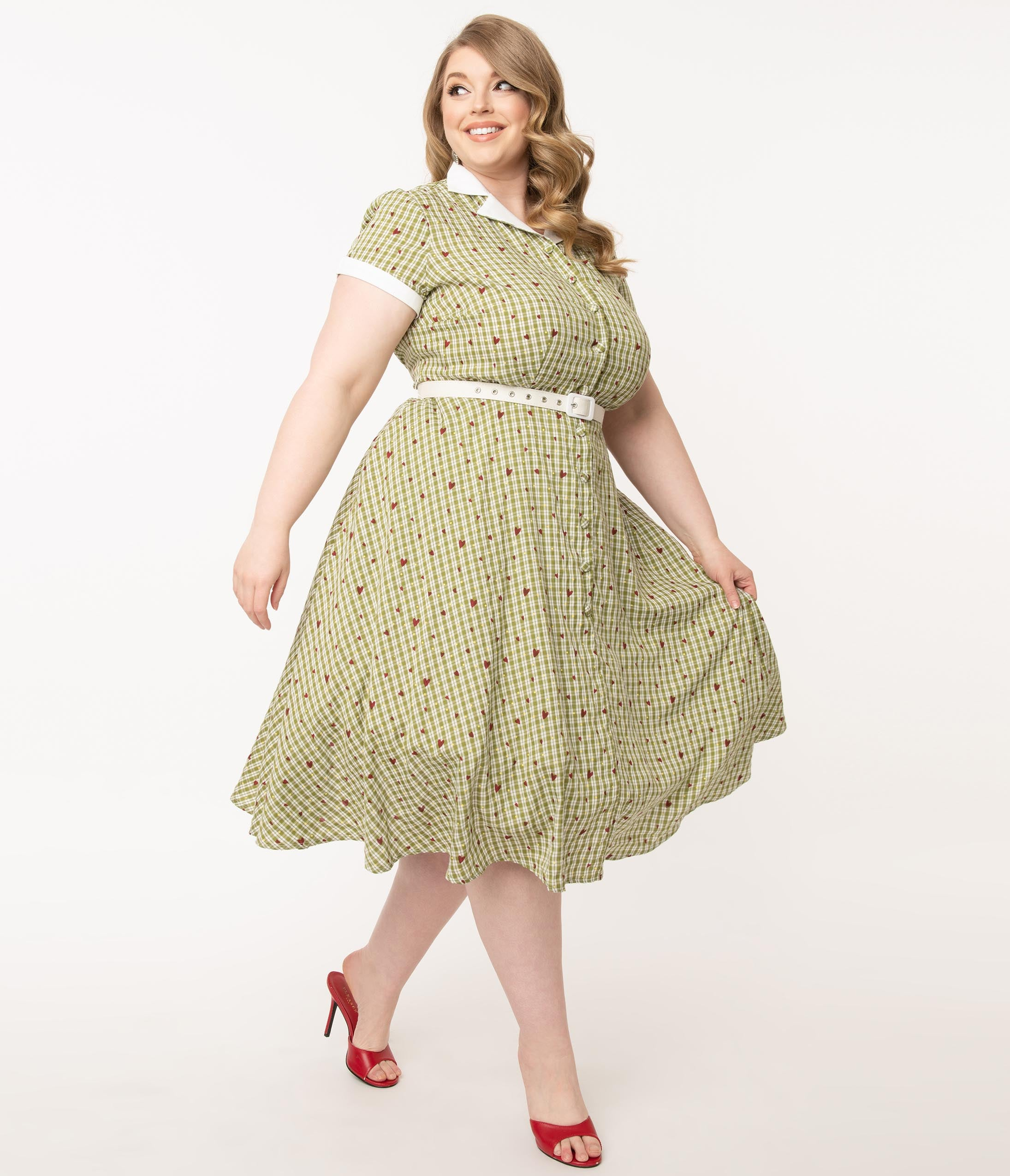 1950s Inspired Fashion: Recreate the Look Unique Vintage Plus Size Green Plaid  Heart Print Alexis Swing Dress $78.00 AT vintagedancer.com