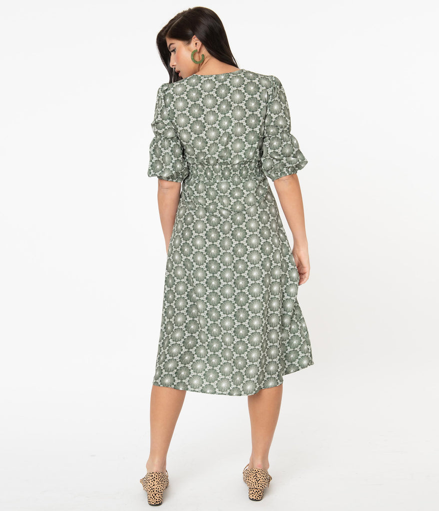 1950s Green & White Geometric Floral Print Midi Dress