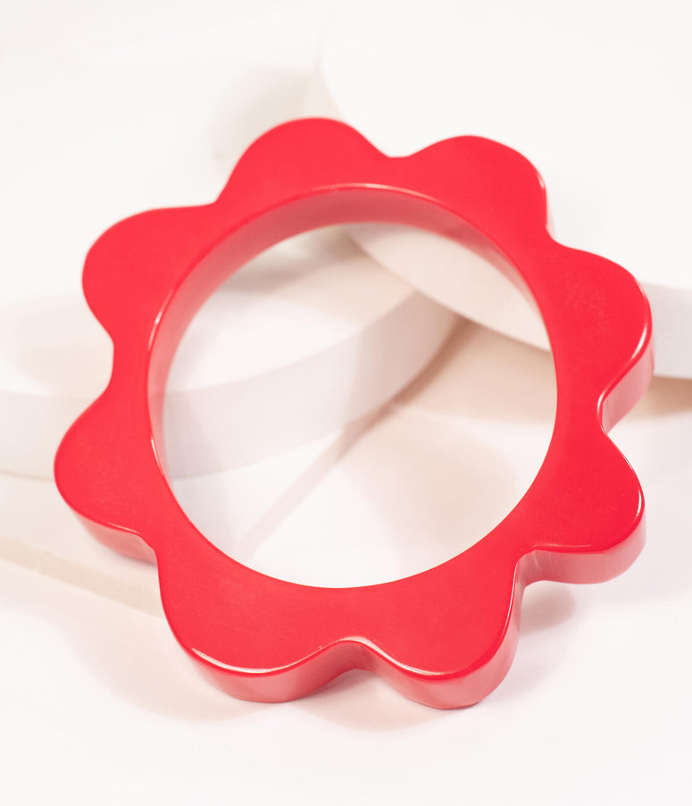 1950s Style Red Resin Splat Bangle