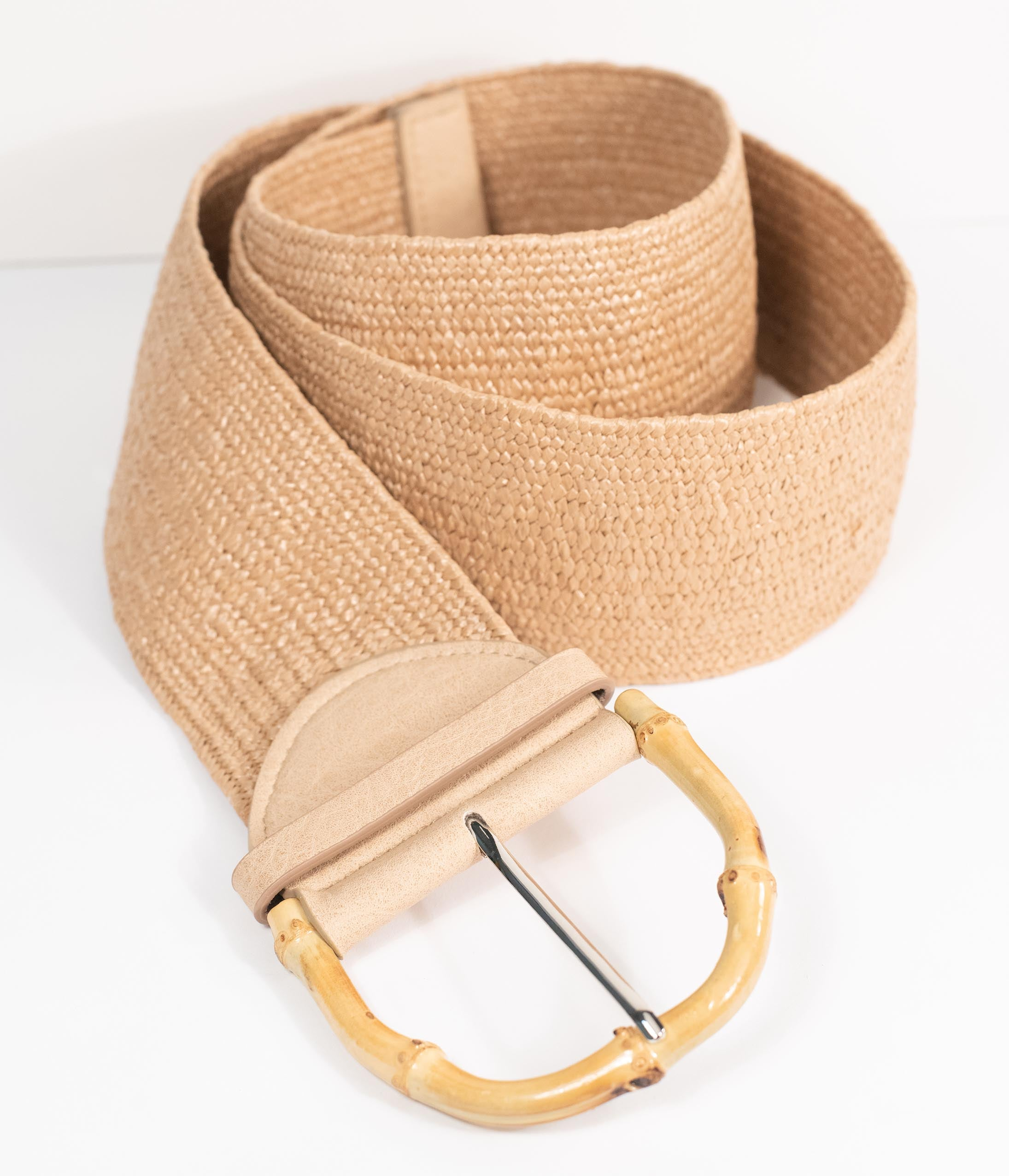 What Did Women Wear in the 1950s? 1950s Fashion Guide Tan Woven Straw Wide Cinch Belt $28.00 AT vintagedancer.com