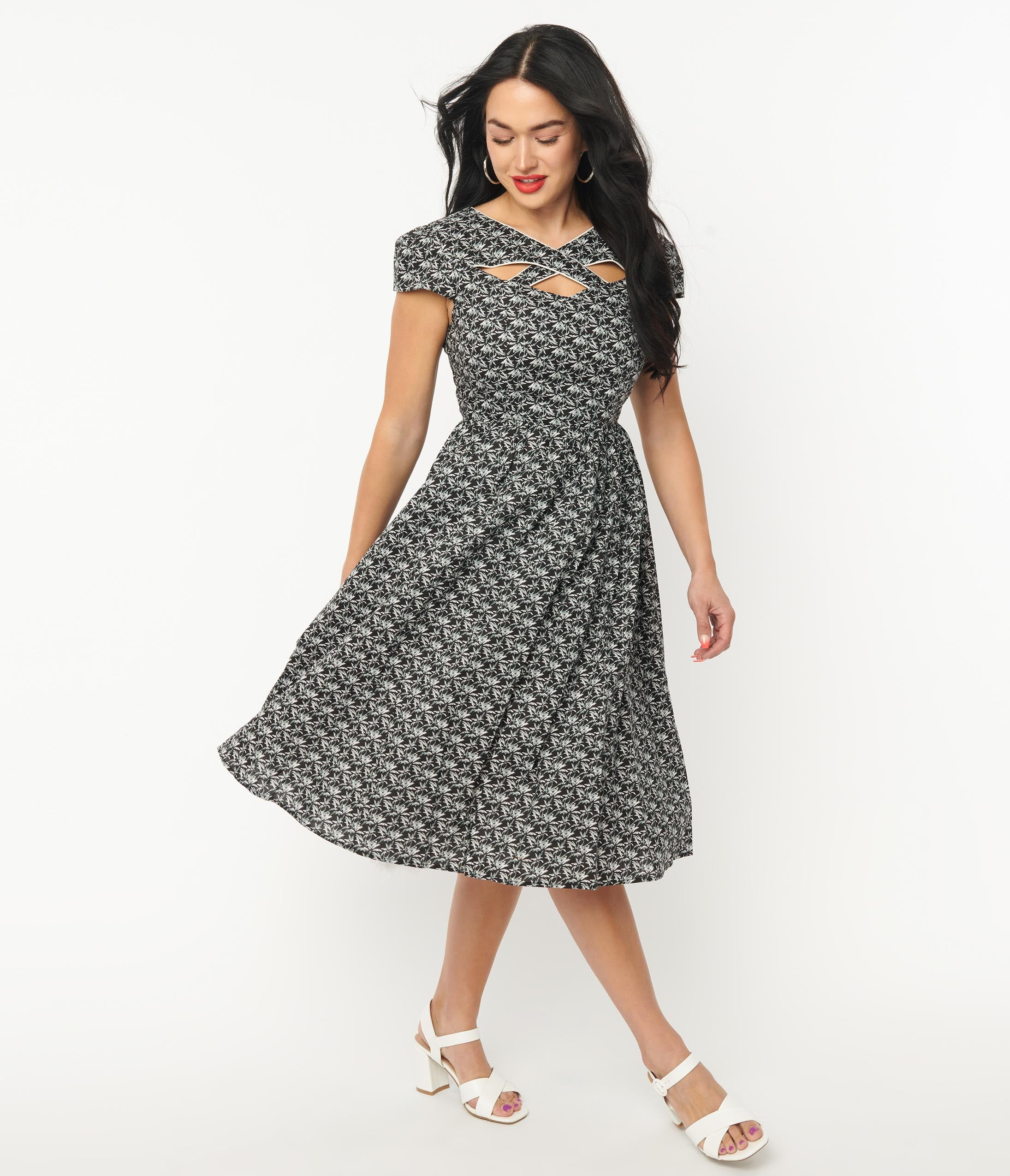 Pin Up Girl Costumes | Pin Up Costumes Magnolia Place Black  White Leaf Print Swing Dress $78.00 AT vintagedancer.com
