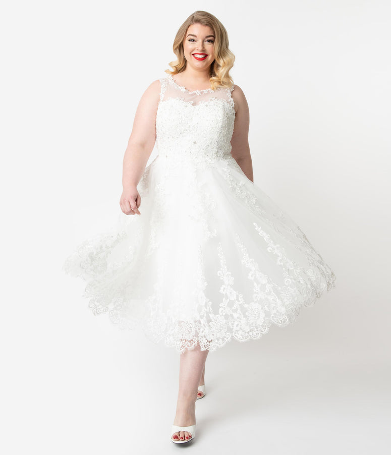 Unique Vintage Plus Size 1950s Ivory Lace & Tulle Riviera Bridal Dress