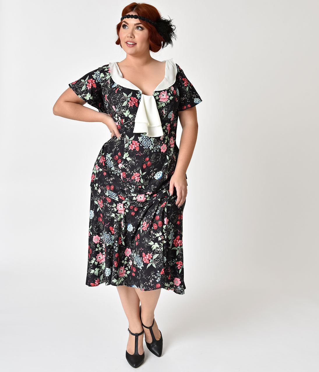1920s Style Dresses, Flapper Dresses Unique Vintage Plus Size 1920S Style Black Wildflower Print Wilshire Flapper Day Dress $74.00 AT vintagedancer.com
