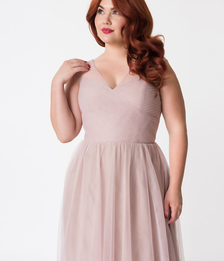 Sweetheart Neckline Plus Size Dresses