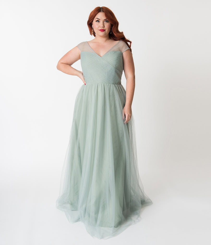 Plus Size Sage Green Mesh Wrapped Sweetheart Neckline Long Dress